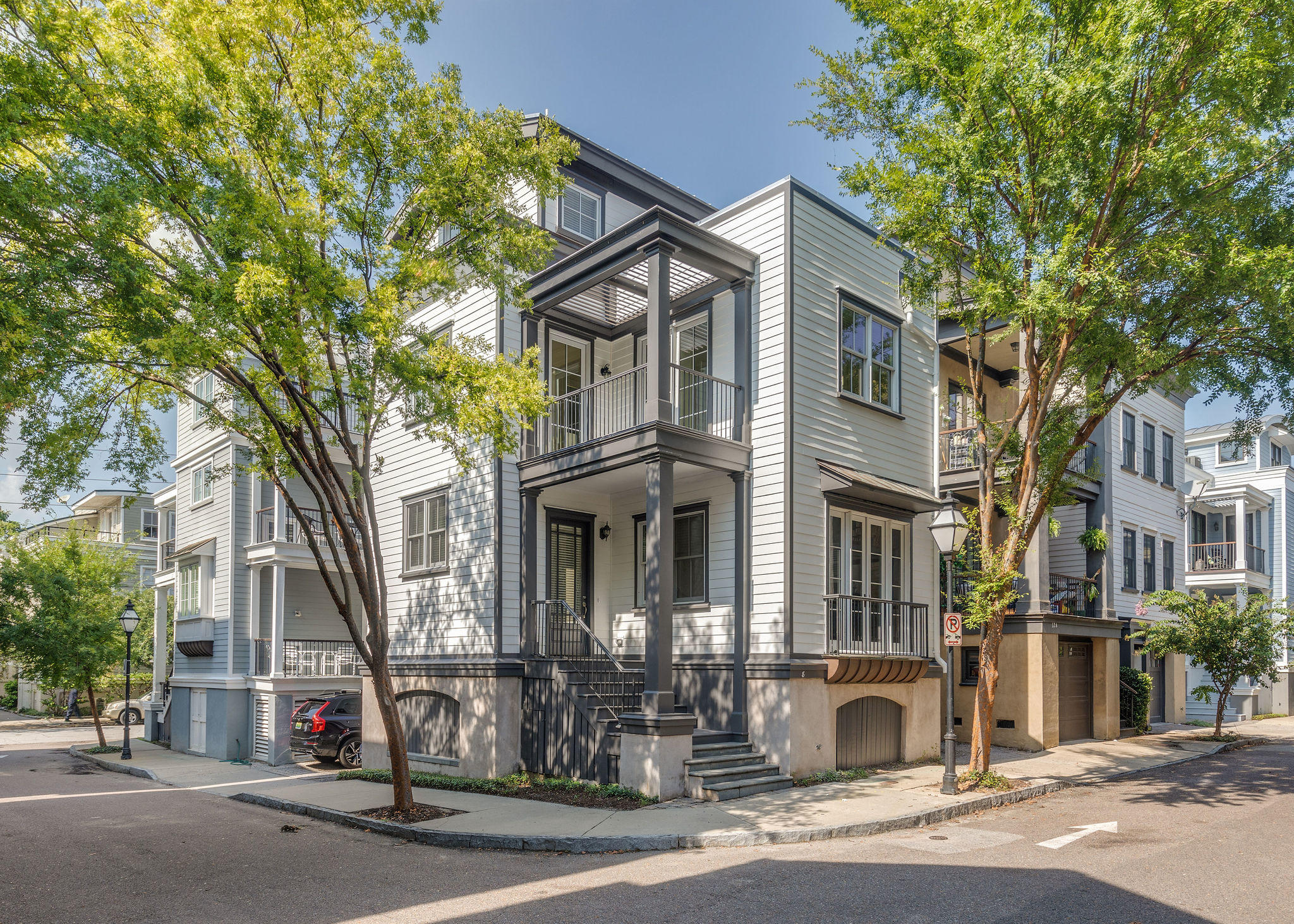 8 Corinne Street Charleston, SC 29403