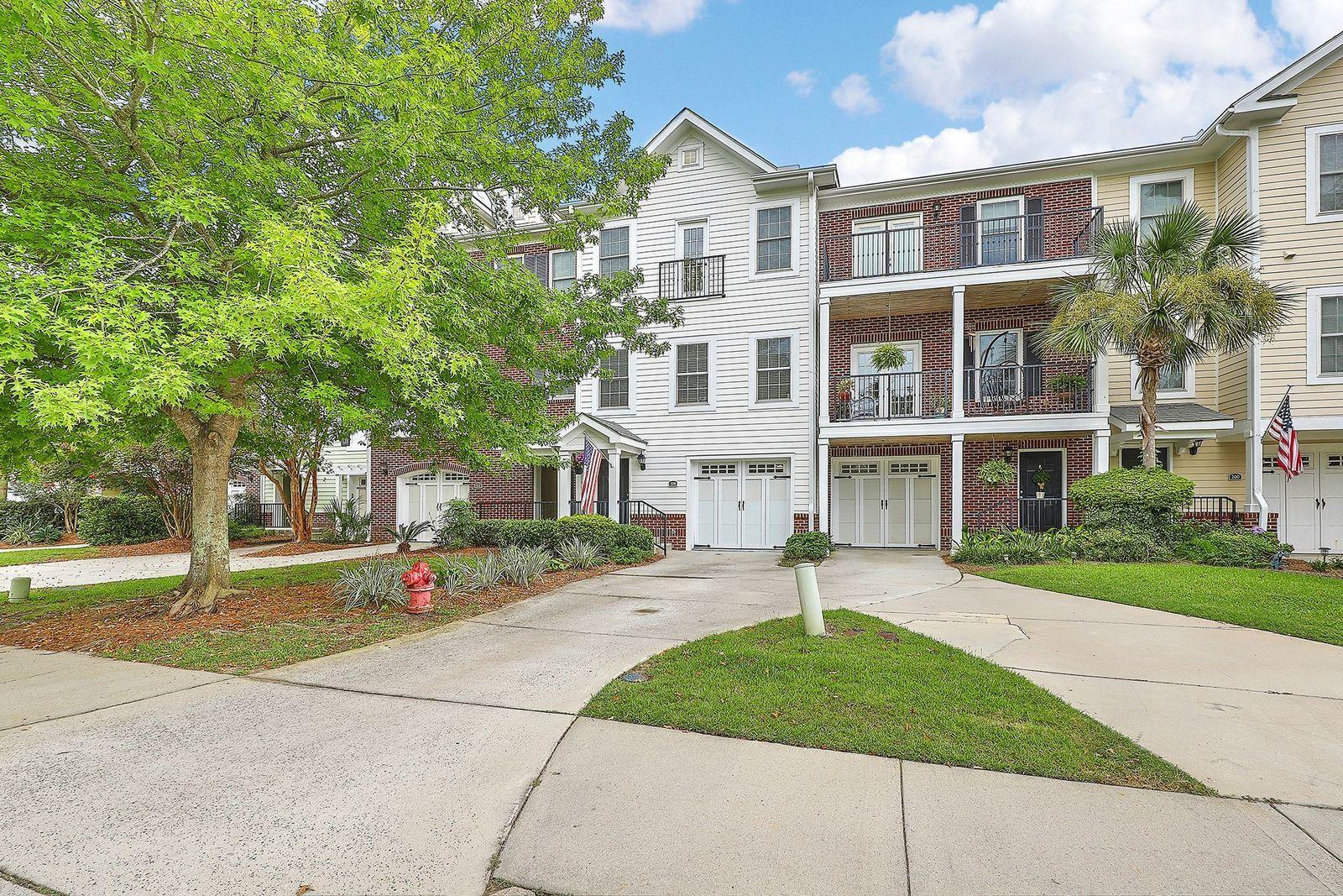 208 Etiwan Pointe Drive UNIT 115-6 Mount Pleasant, SC 29464