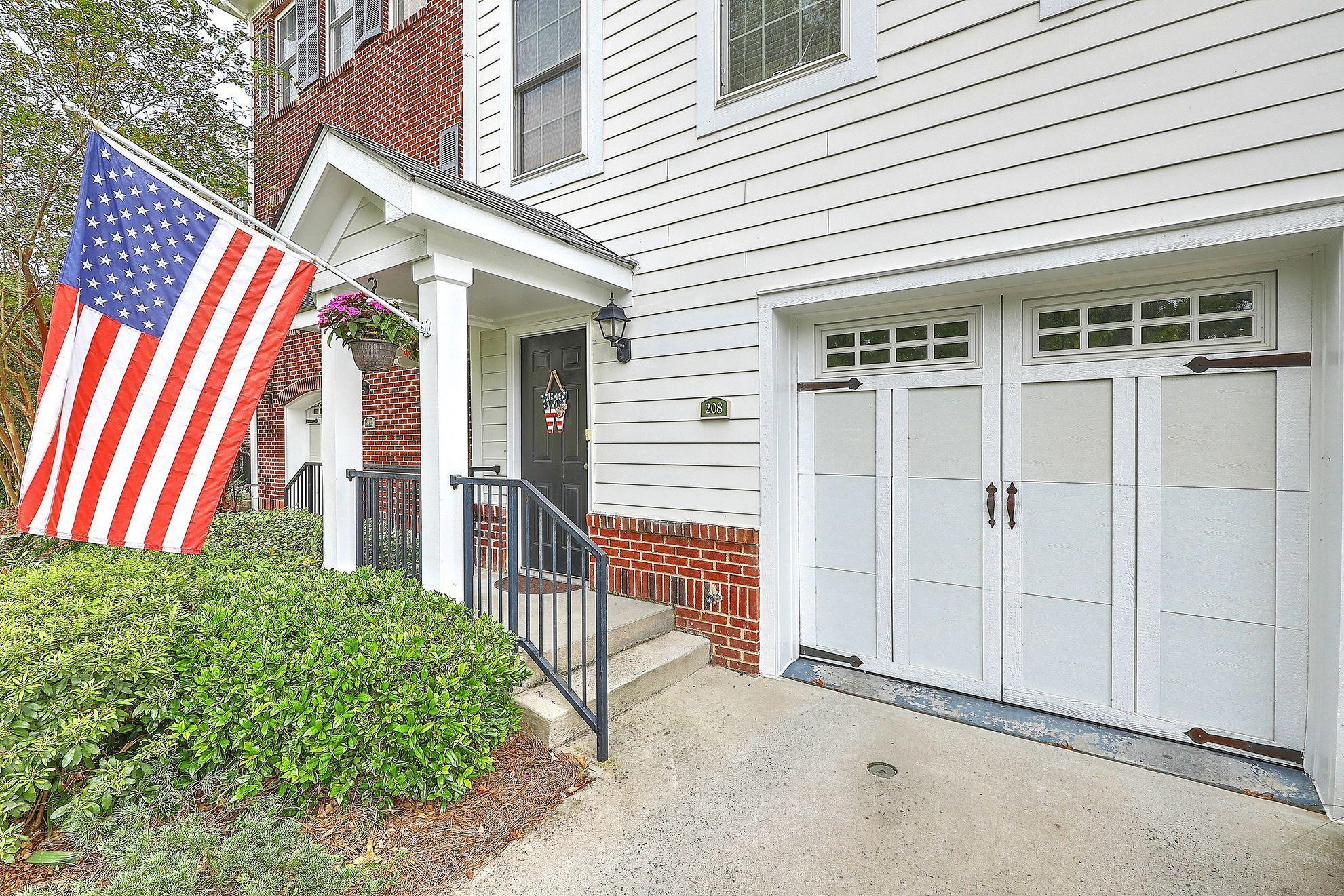 Etiwan Pointe Homes For Sale - 208 Etiwan Pointe, Mount Pleasant, SC - 27