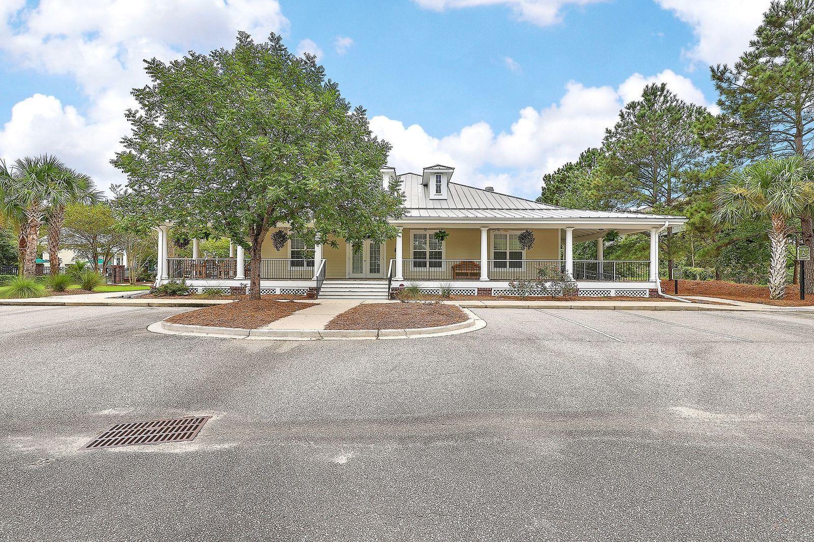 Etiwan Pointe Homes For Sale - 208 Etiwan Pointe, Mount Pleasant, SC - 11