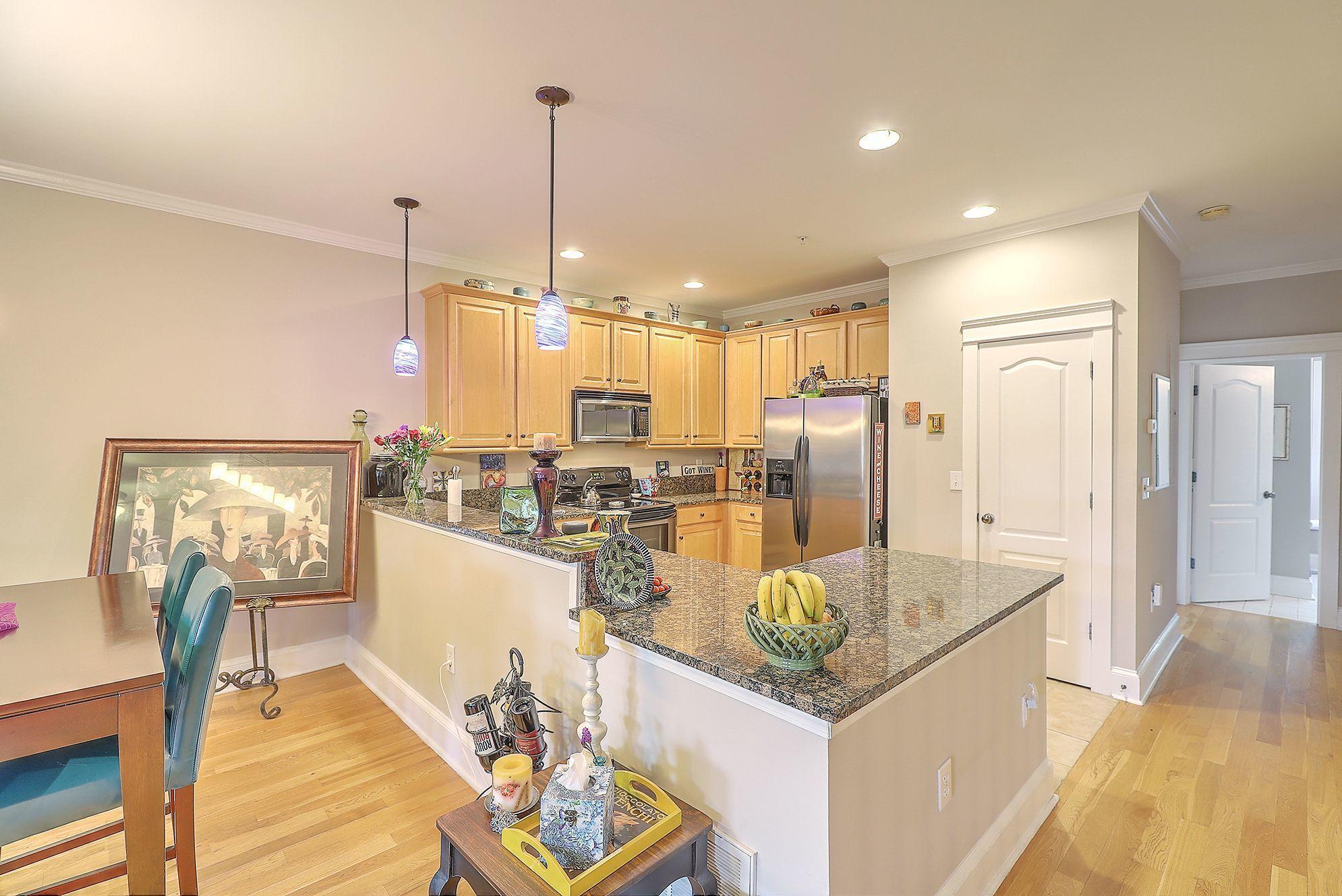 Etiwan Pointe Homes For Sale - 208 Etiwan Pointe, Mount Pleasant, SC - 29