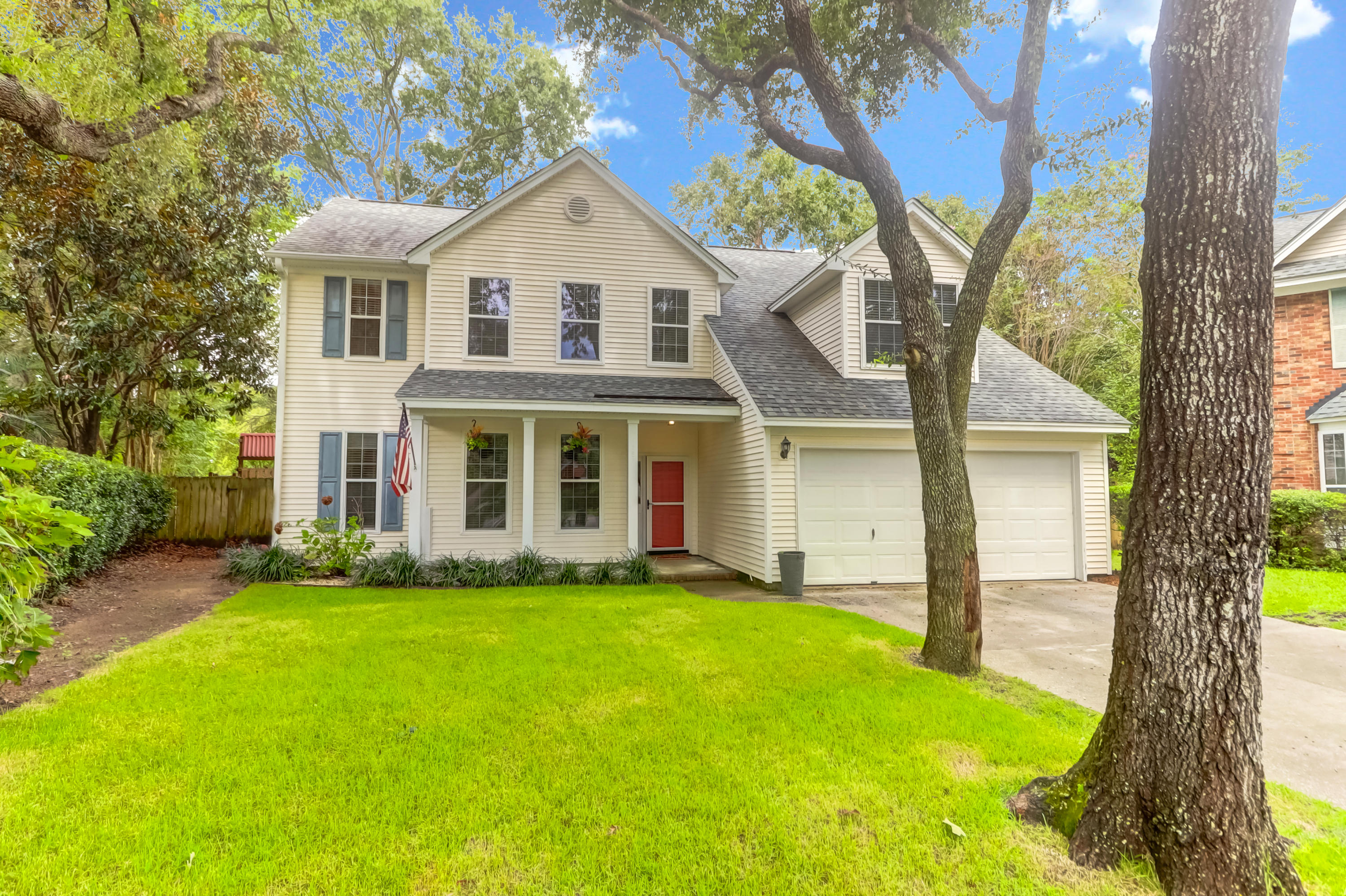 1237 Spoon Court Mount Pleasant, SC 29466