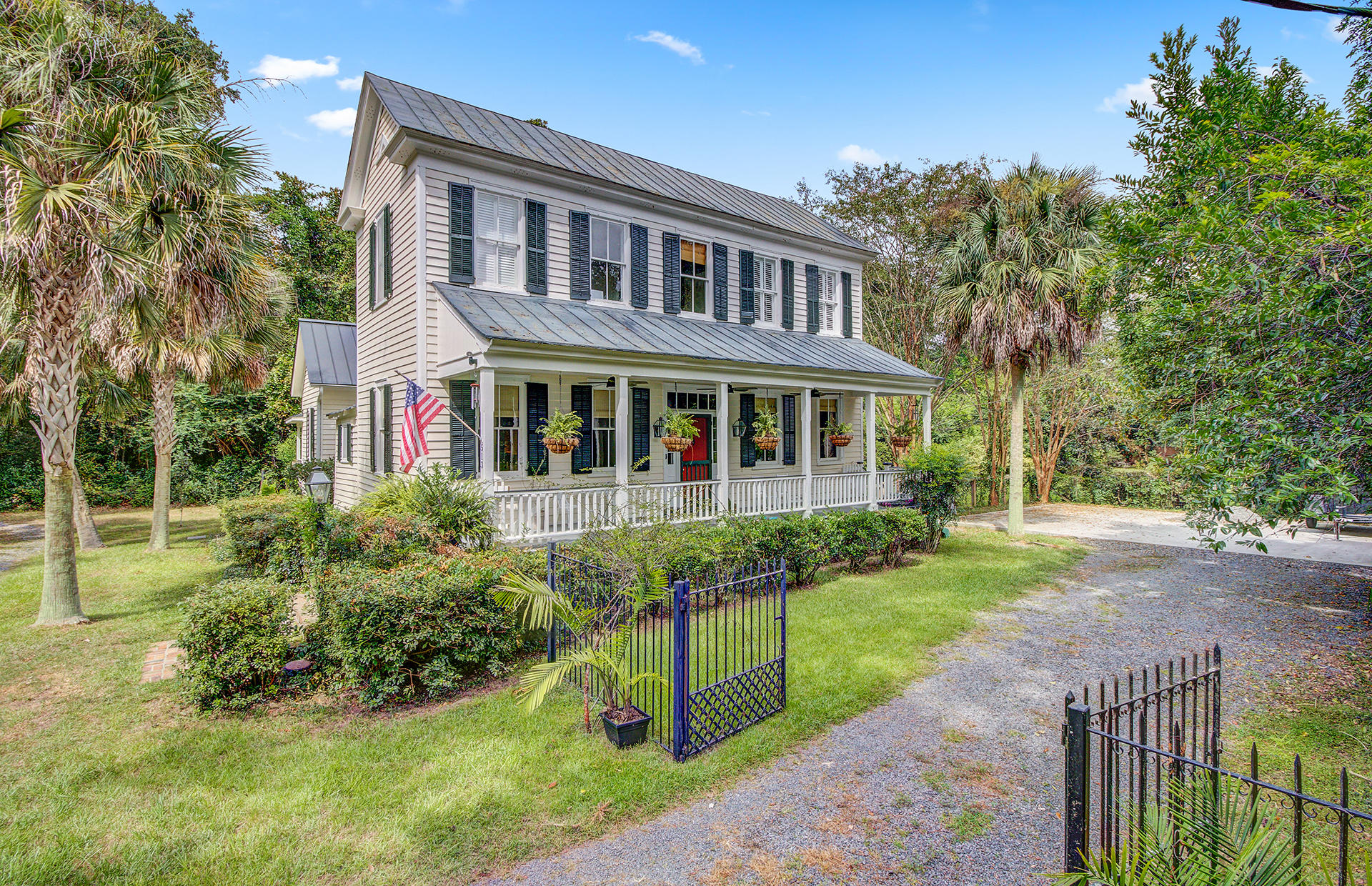 513 W Carolina Avenue Summerville, SC 29483