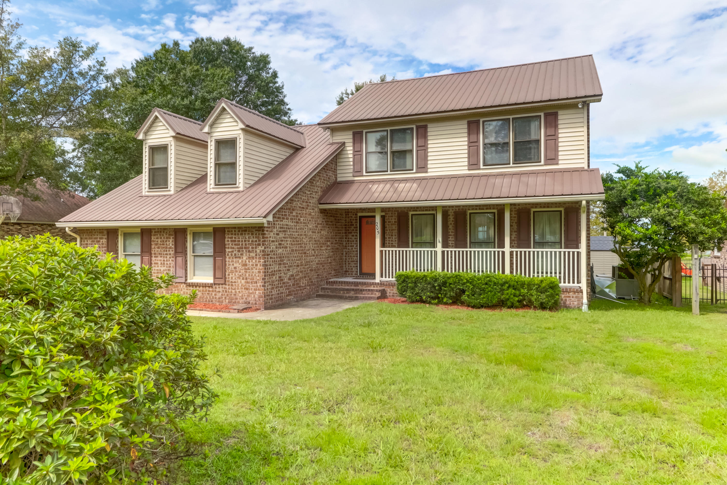 205 Land O Pines Circle Moncks Corner, SC 29461