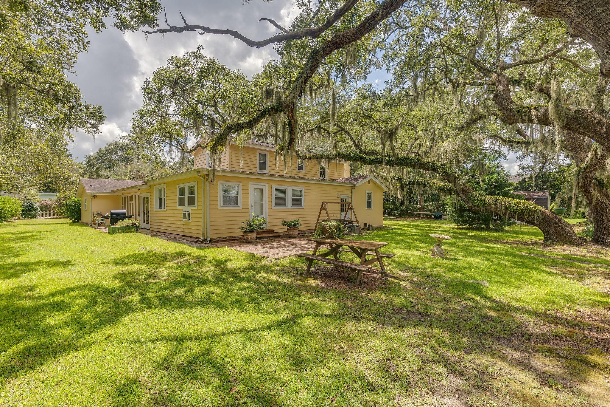 222 Island Drive Charleston, SC 29407