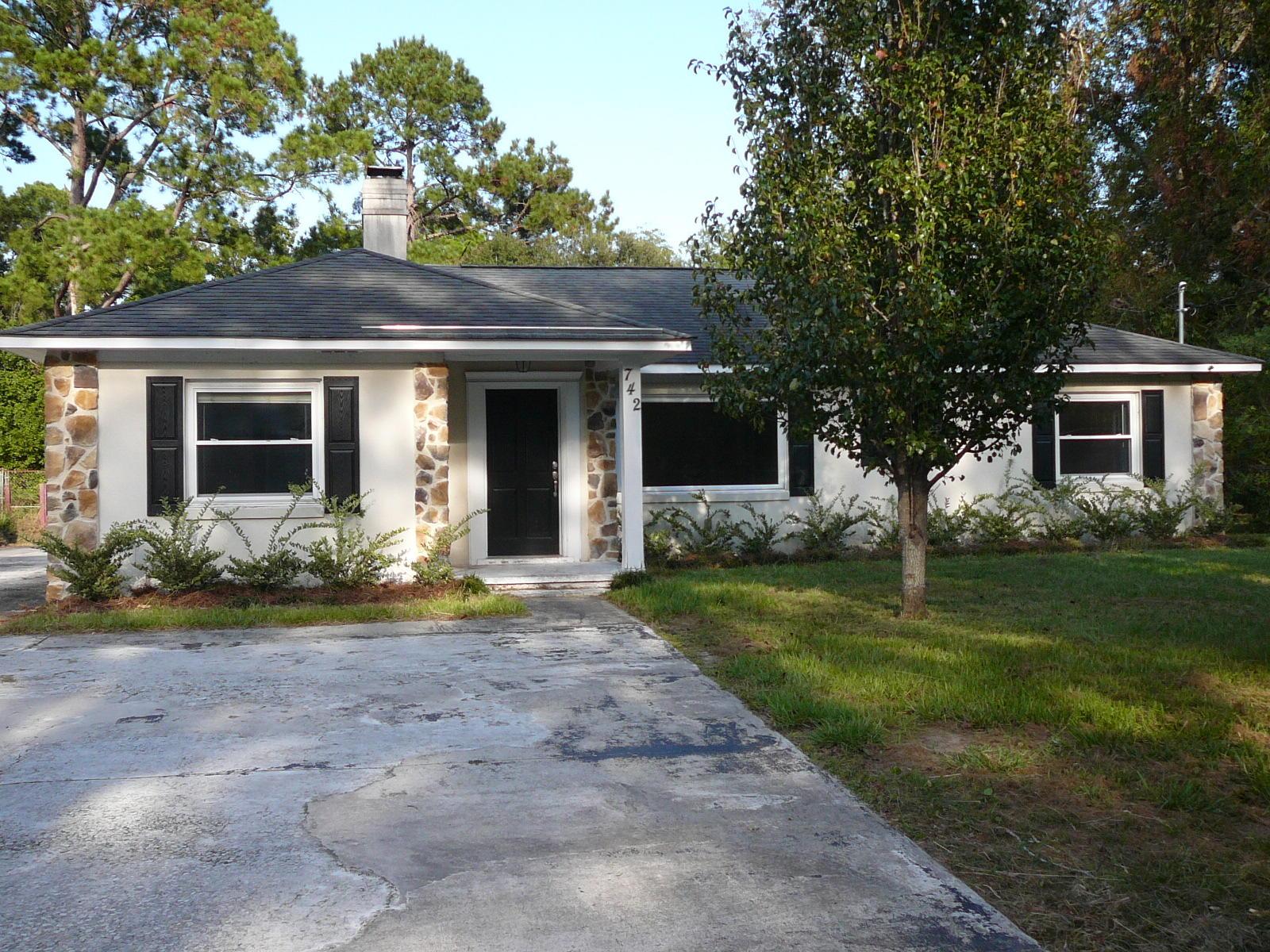 742 W Oak Forest Drive Charleston, SC 29407