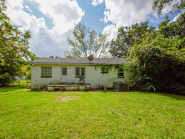 1720 Brantley Drive Charleston, SC 29412