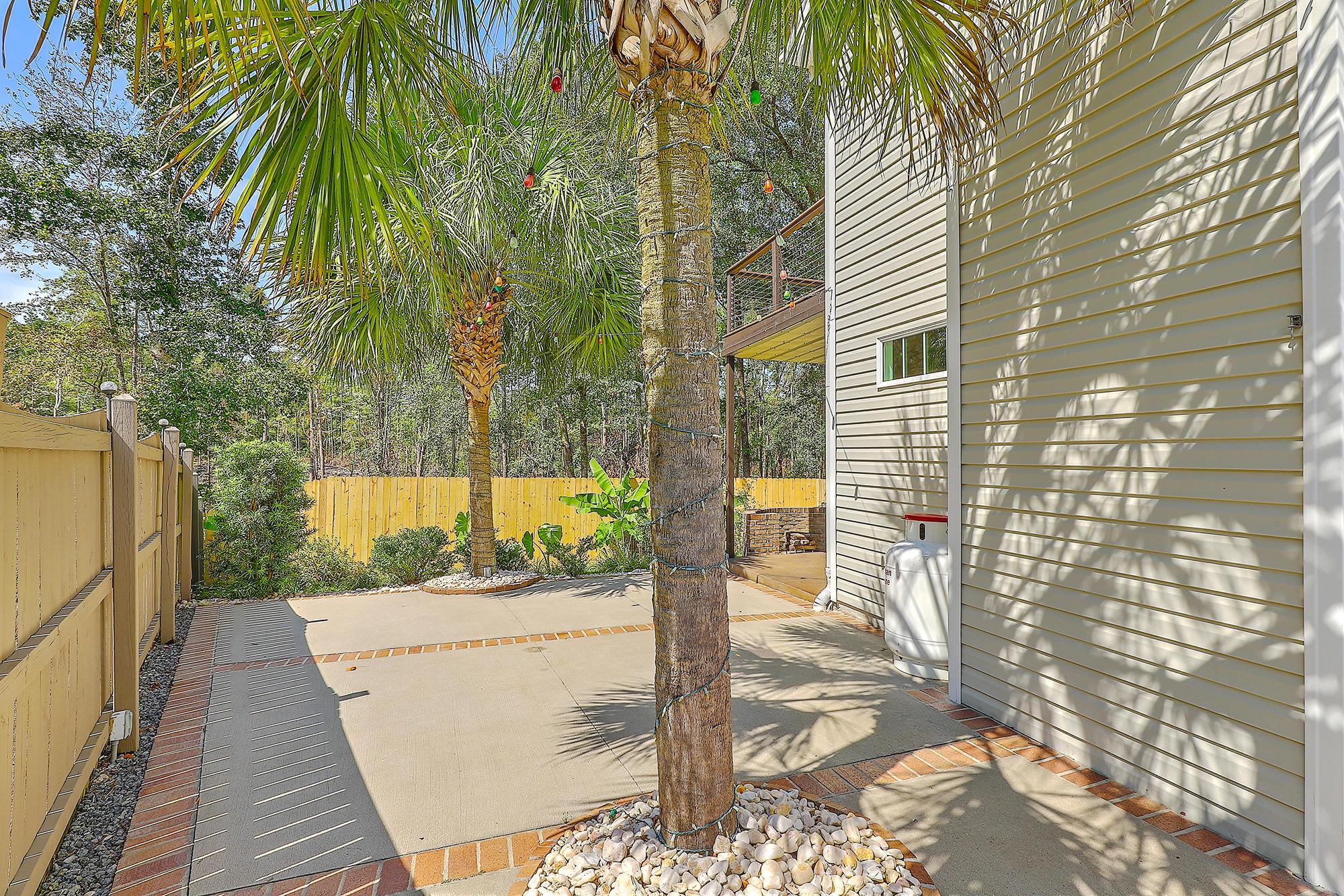 212 Maplewood Ridge Court Summerville, SC 29483