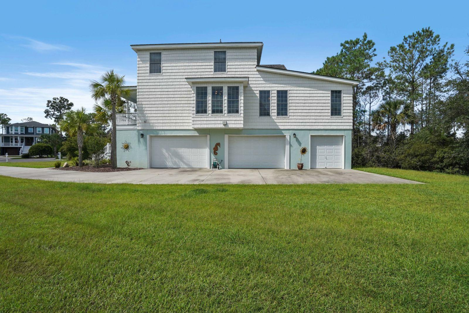 1847 Delacourt Avenue Mount Pleasant, SC 29466