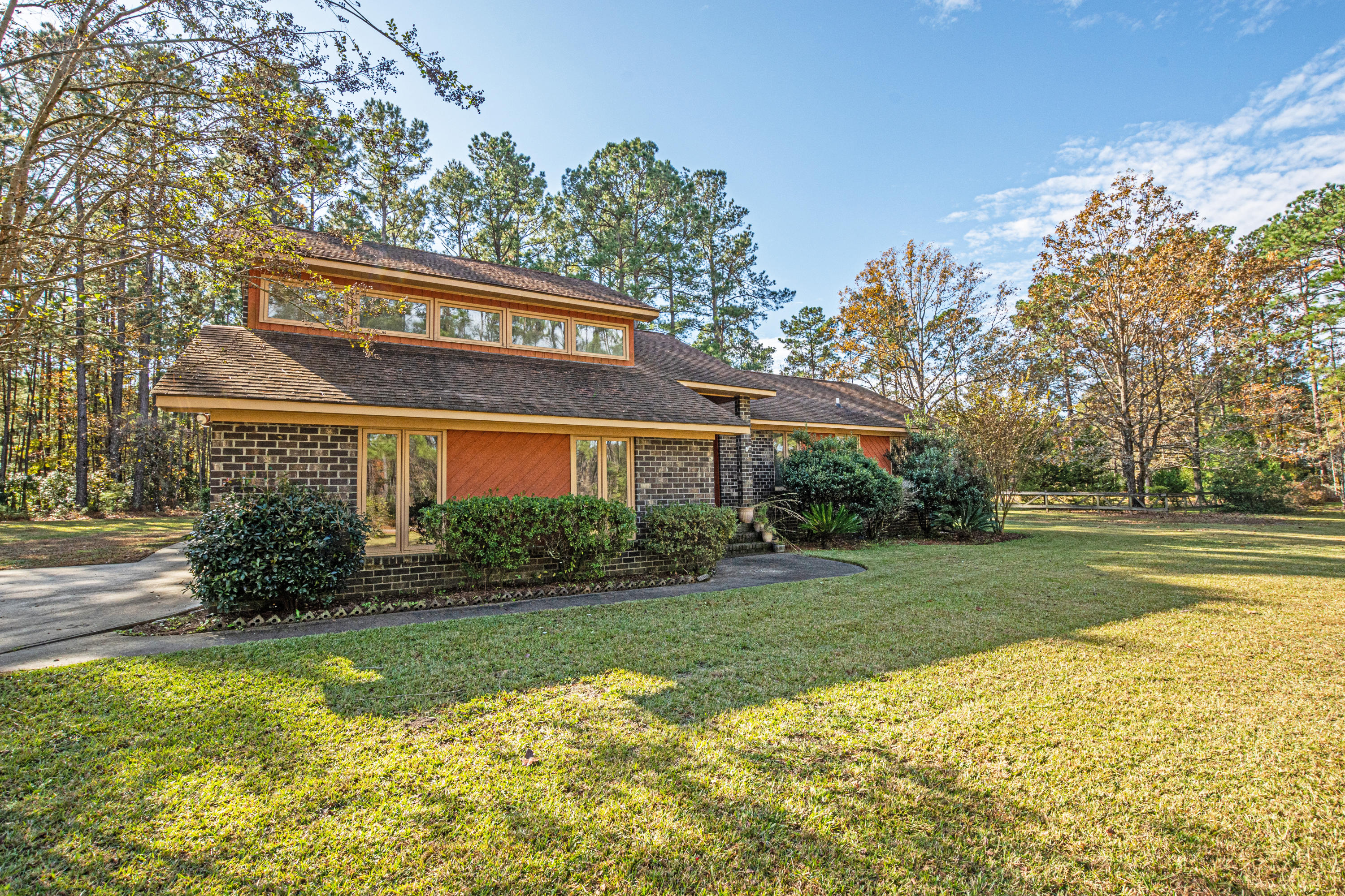 211 Countryside Way Summerville, SC 29483