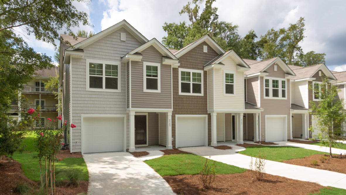 4672 Palm View Circle North Charleston, SC 29418