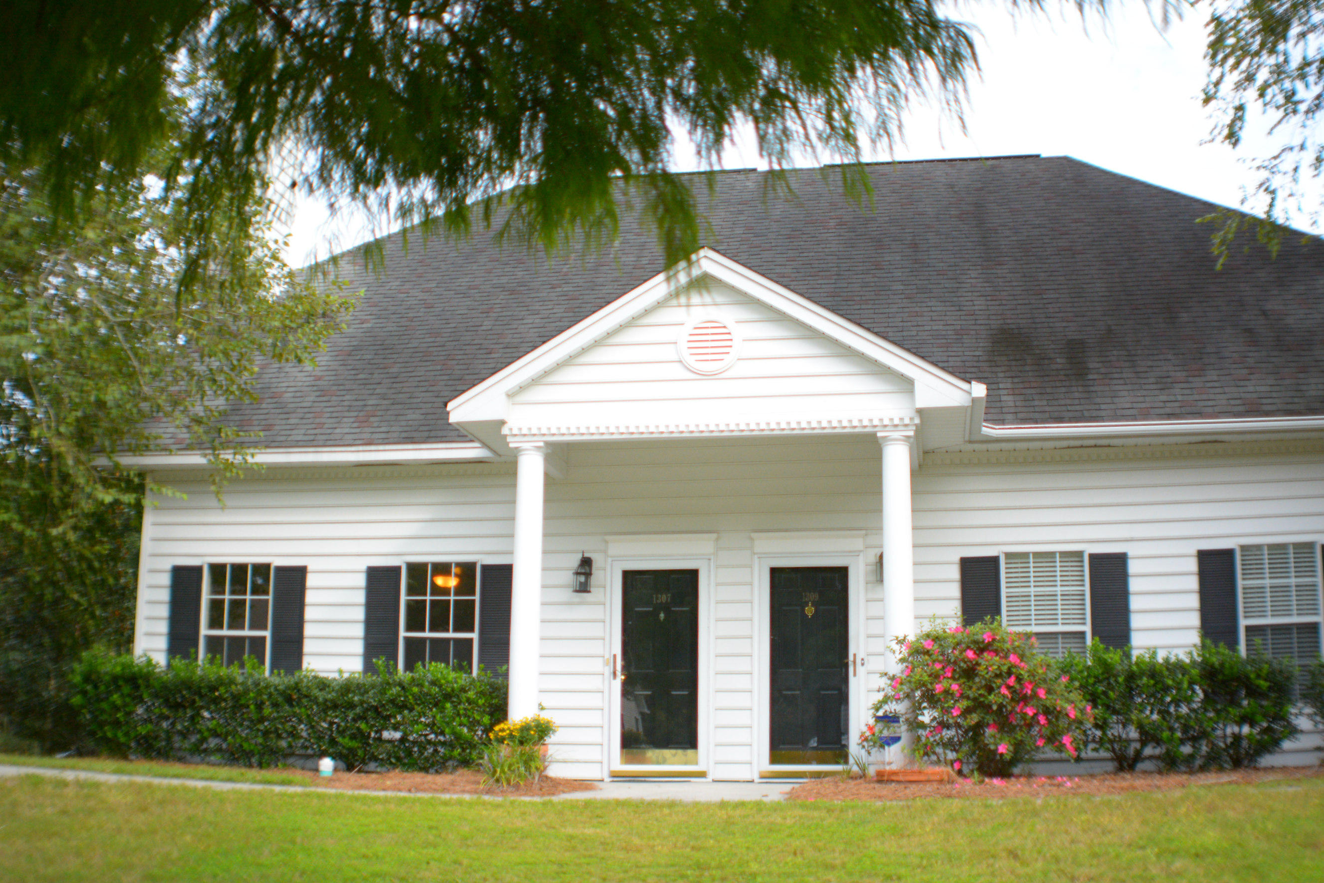 1307 Fenwick Plantation Road Johns Island, SC 29455