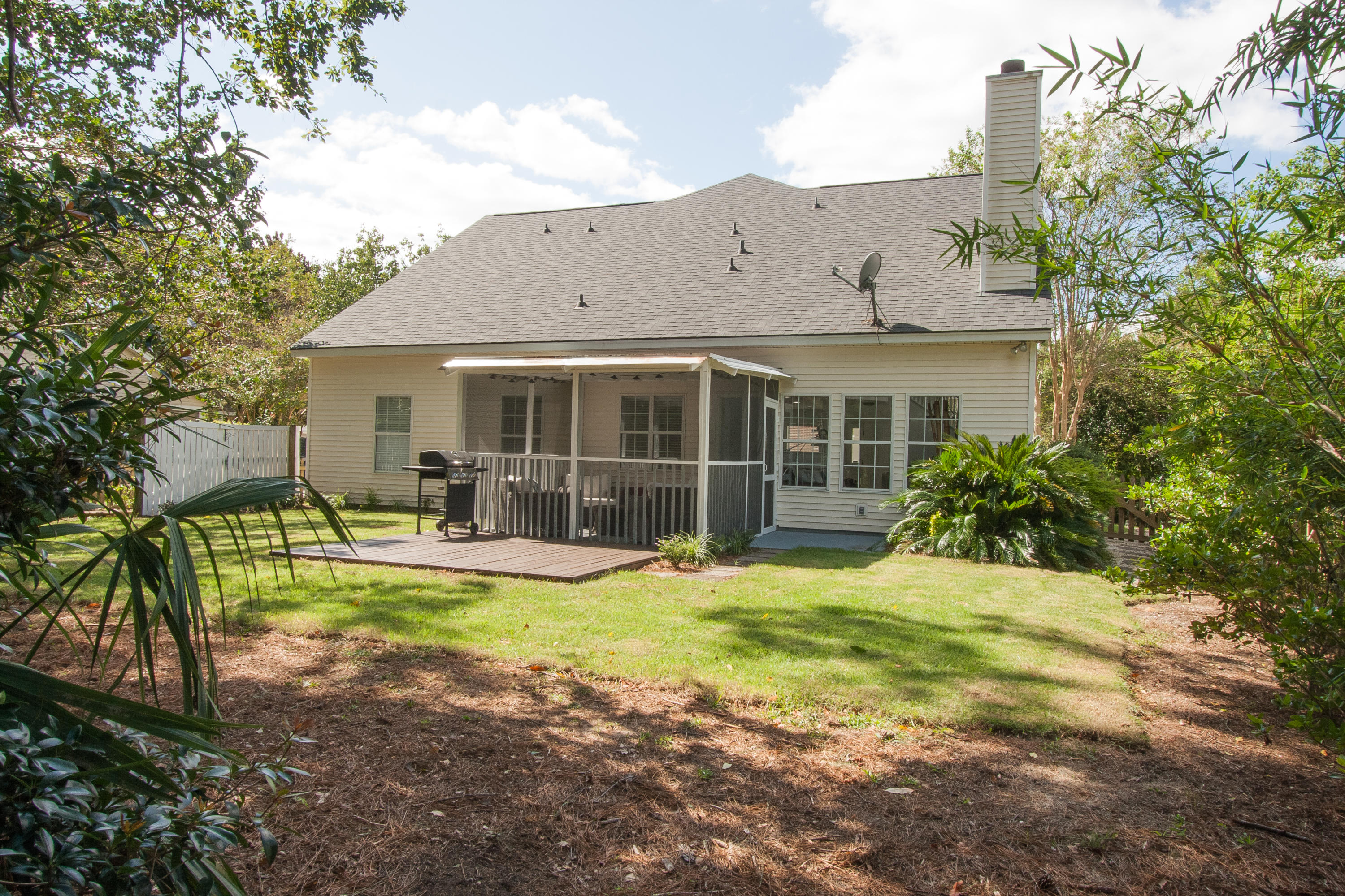 2577 Palmetto Hall Boulevard Mount Pleasant, SC 29466