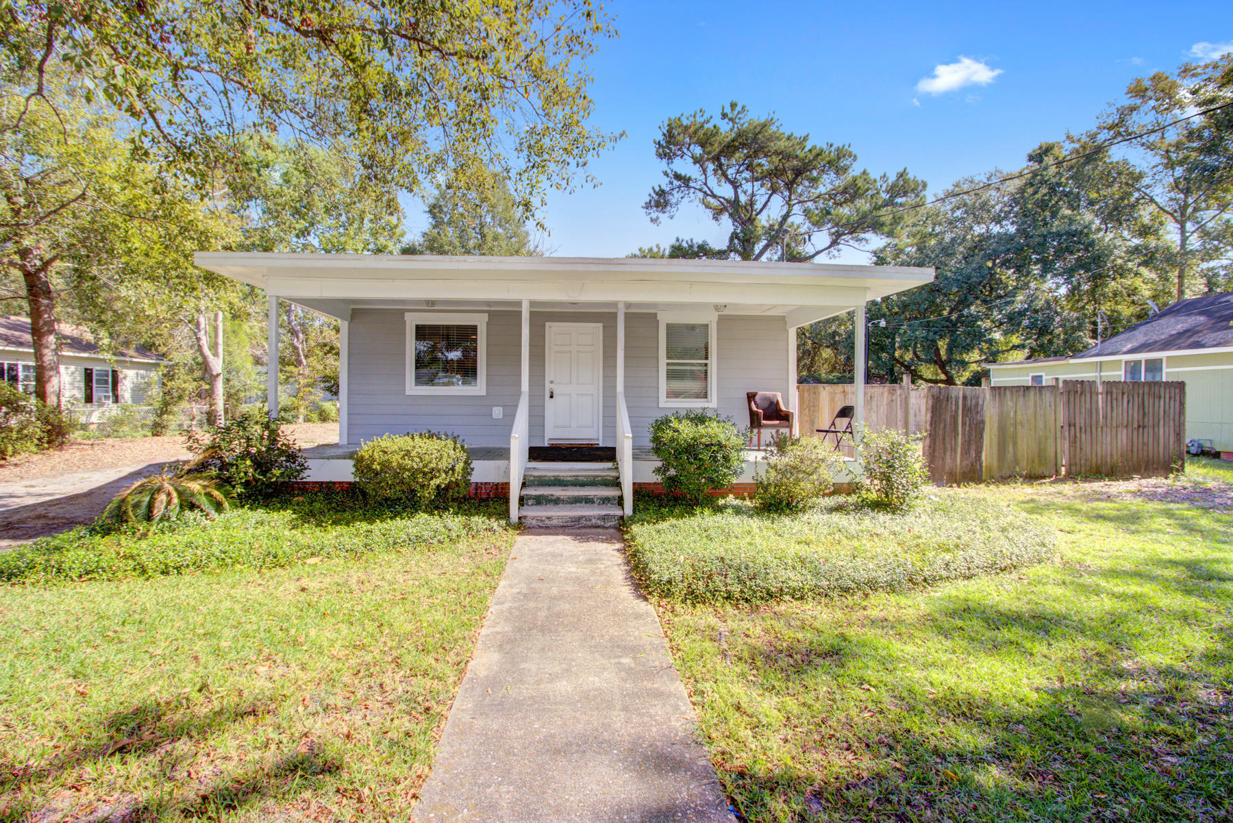 4718 Ivydale Drive North Charleston, SC 29405