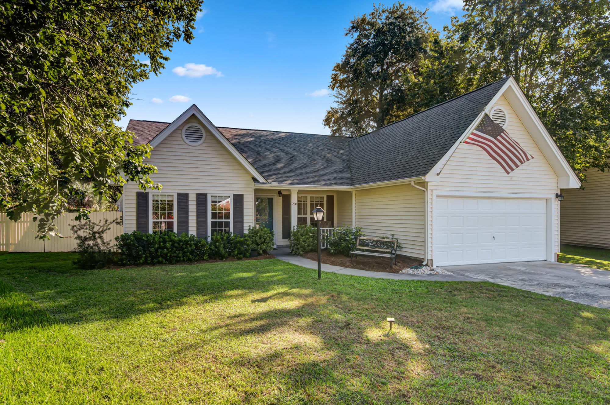 728 Veron Place Mount Pleasant, SC 29464
