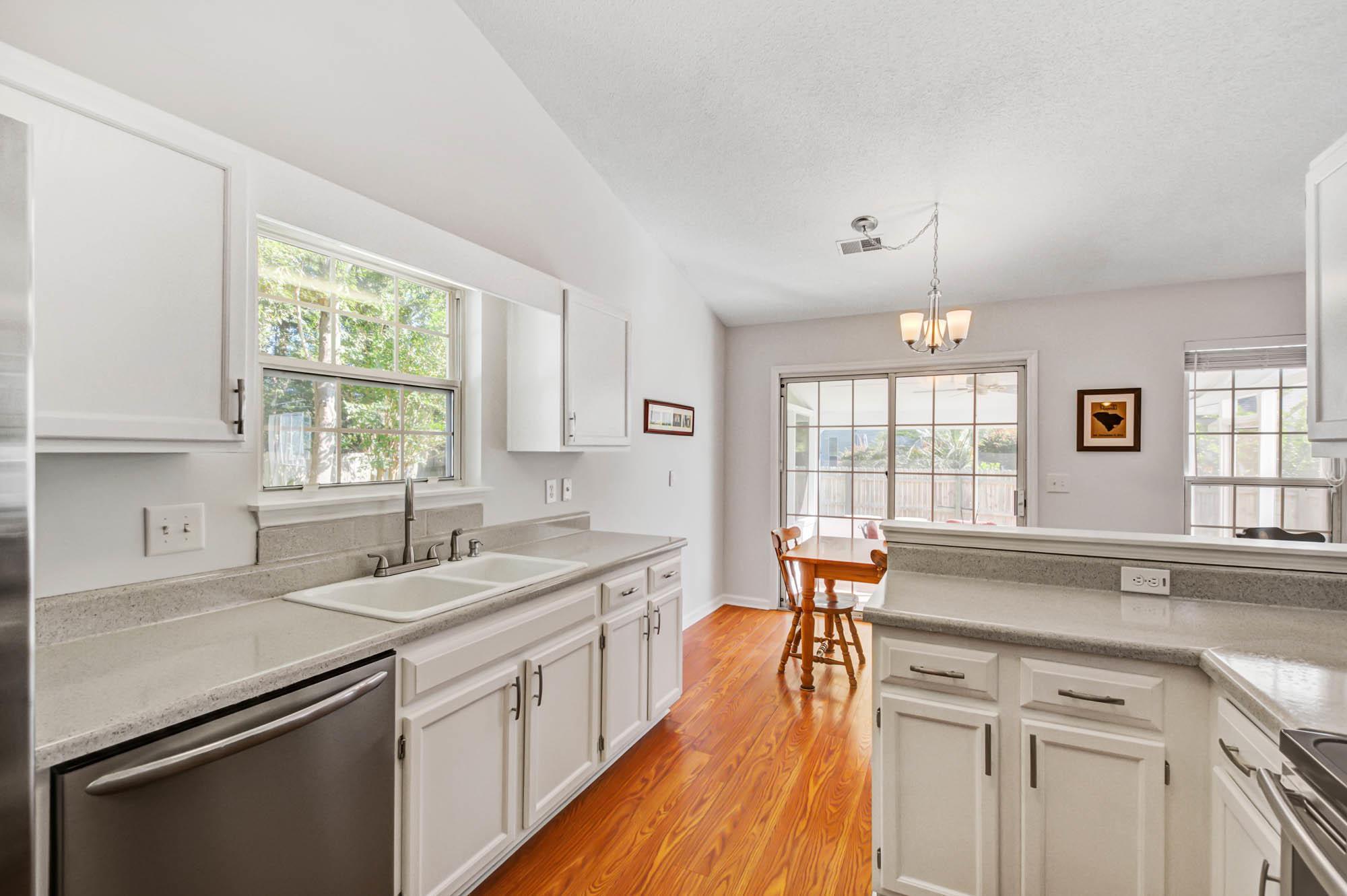 Glen Lake Homes For Sale - 728 Veron, Mount Pleasant, SC - 15