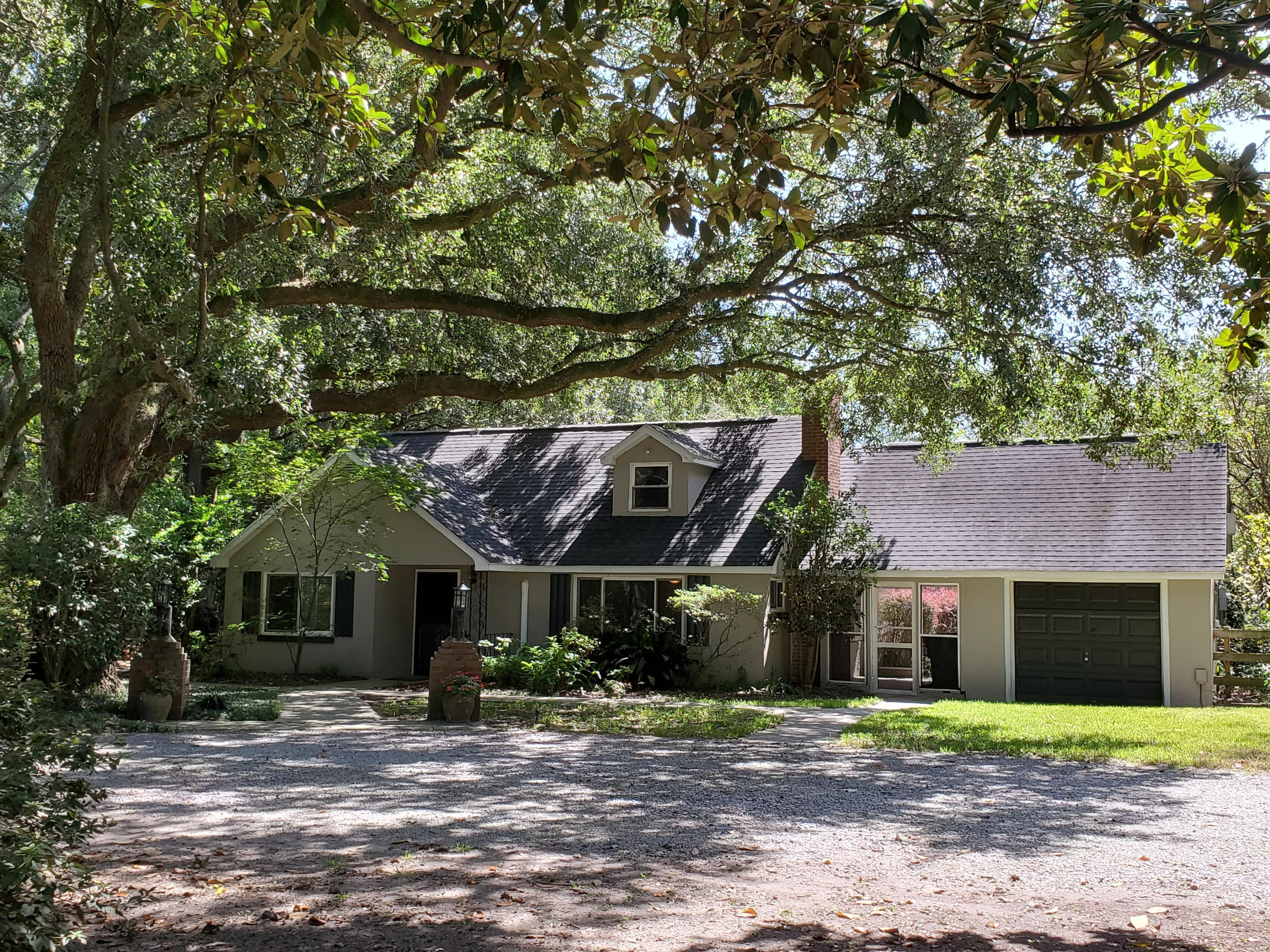 2227 Woodland Shores Road Charleston, SC 29412
