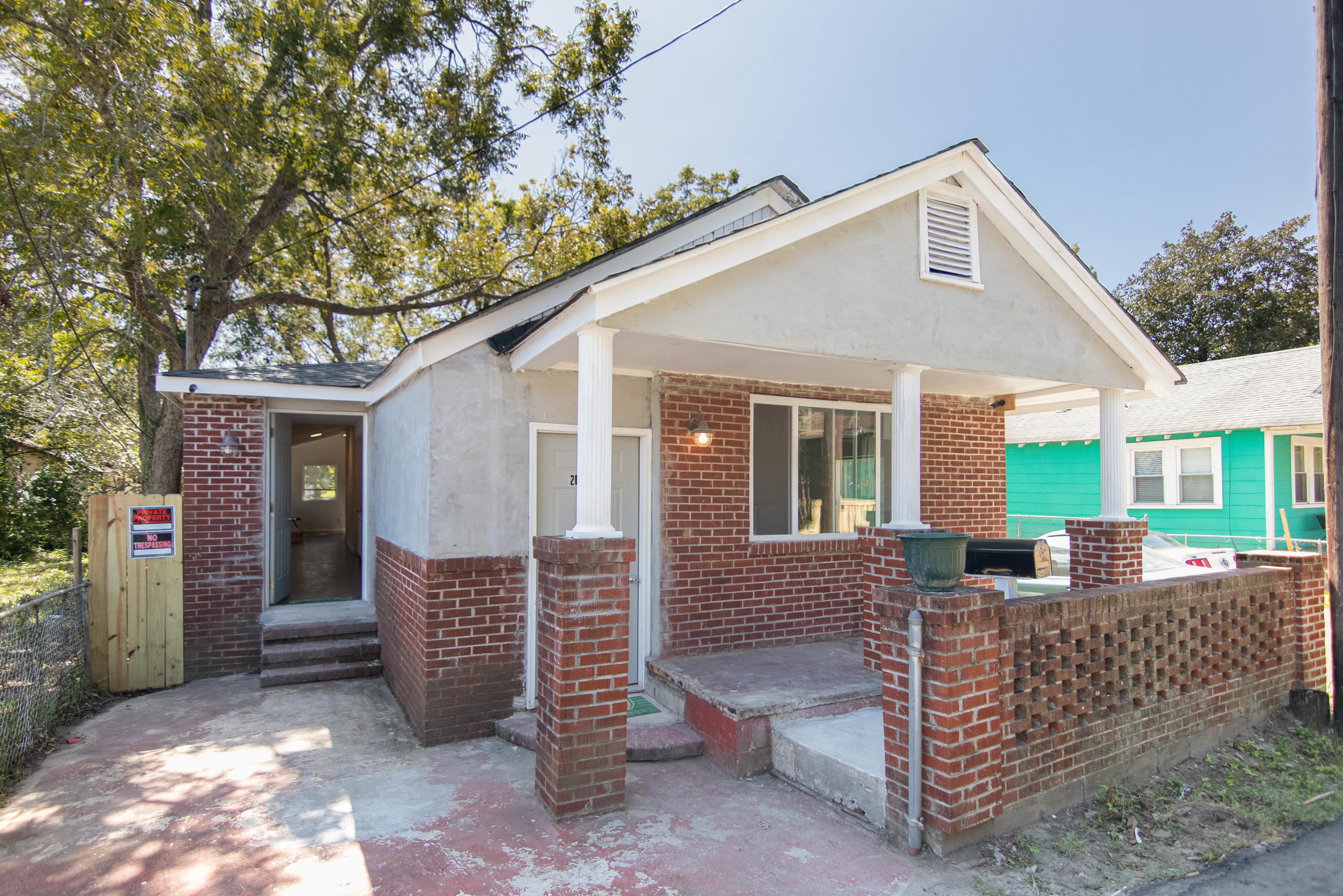 2019 Echo Avenue North Charleston, SC 29405