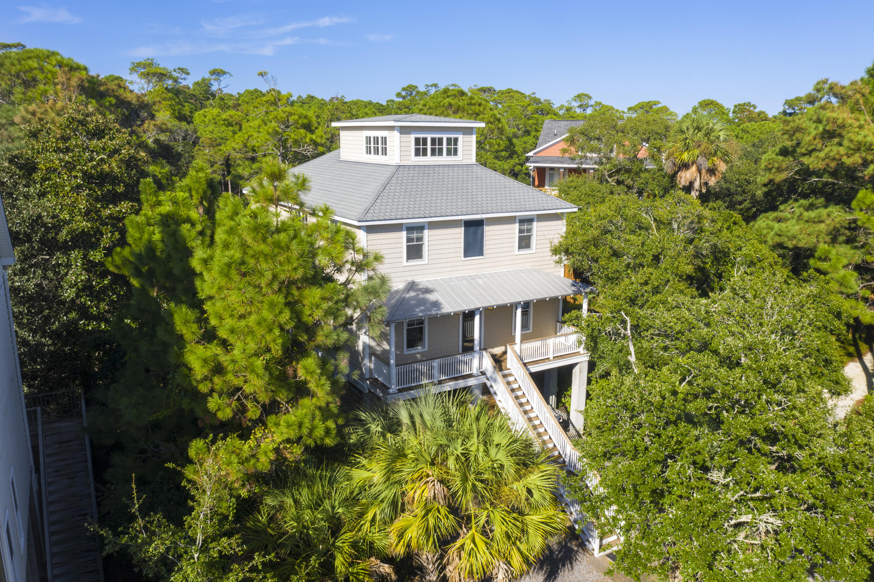 716 W Cooper Avenue Folly Beach, SC 29439