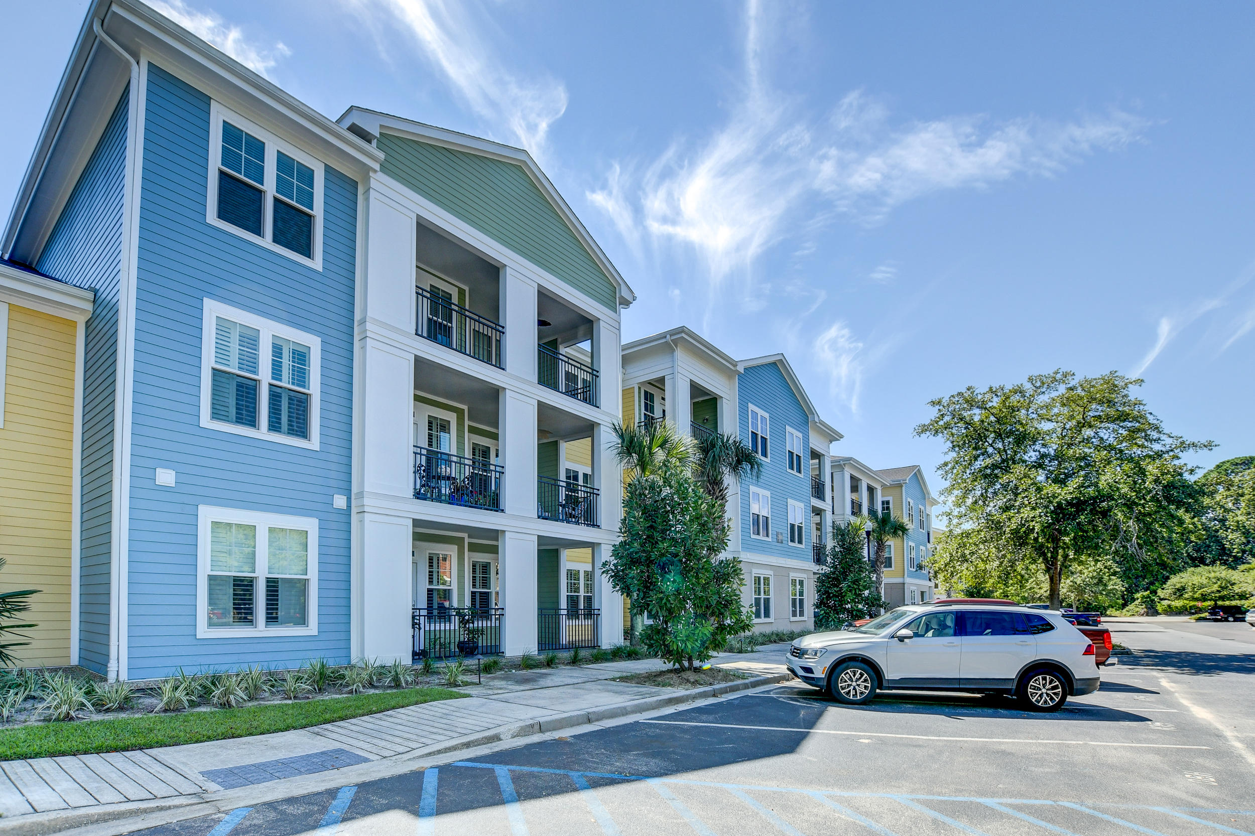 2100 Belle Isle Avenue UNIT 304 Mount Pleasant, SC 29464