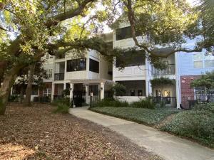 1025 Riverland Woods Place, 712, Charleston, SC 29412
