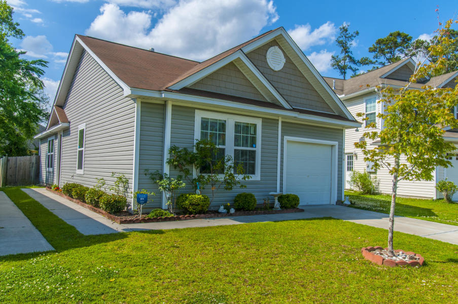 8874 Arbor Glen Drive North Charleston, SC 29420