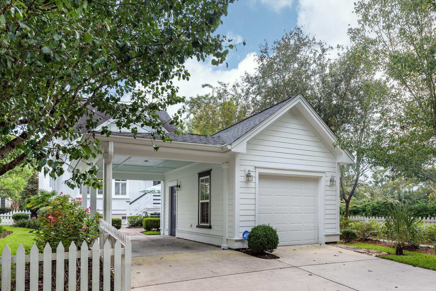 1604 Ware Bottom Lane Mount Pleasant, SC 29464