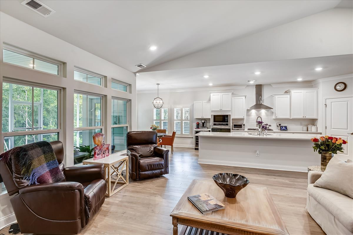 Park West Homes For Sale - 1372 Honor, Mount Pleasant, SC - 4