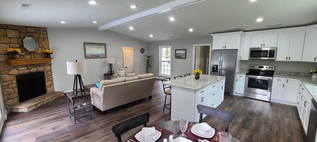 Shadowmoss Homes For Sale - 7 Drummond, Charleston, SC - 2