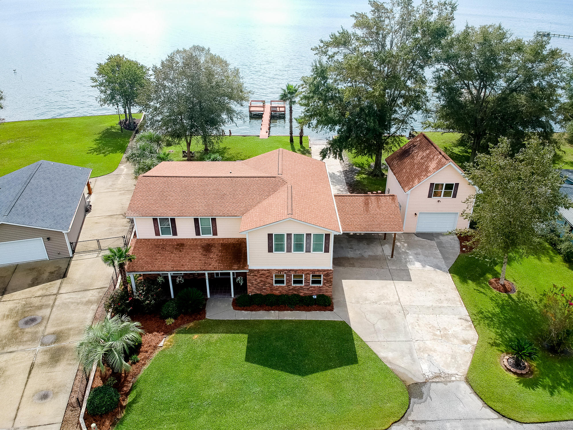 125 Catfish Landing Circle Bonneau, Sc 29431
