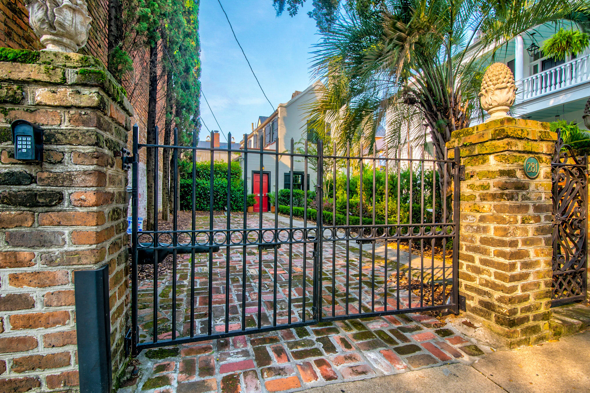 281 E Bay Street Charleston, SC 29401