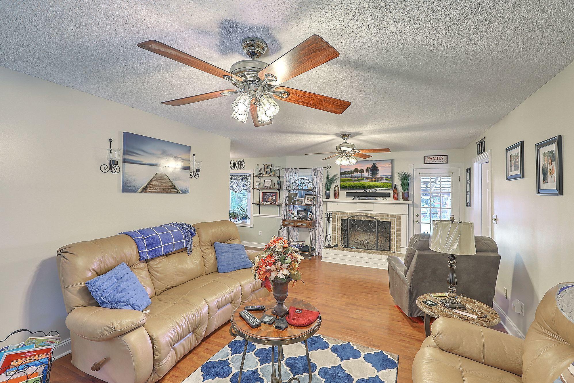 123 Pinewood Drive Moncks Corner, SC 29461