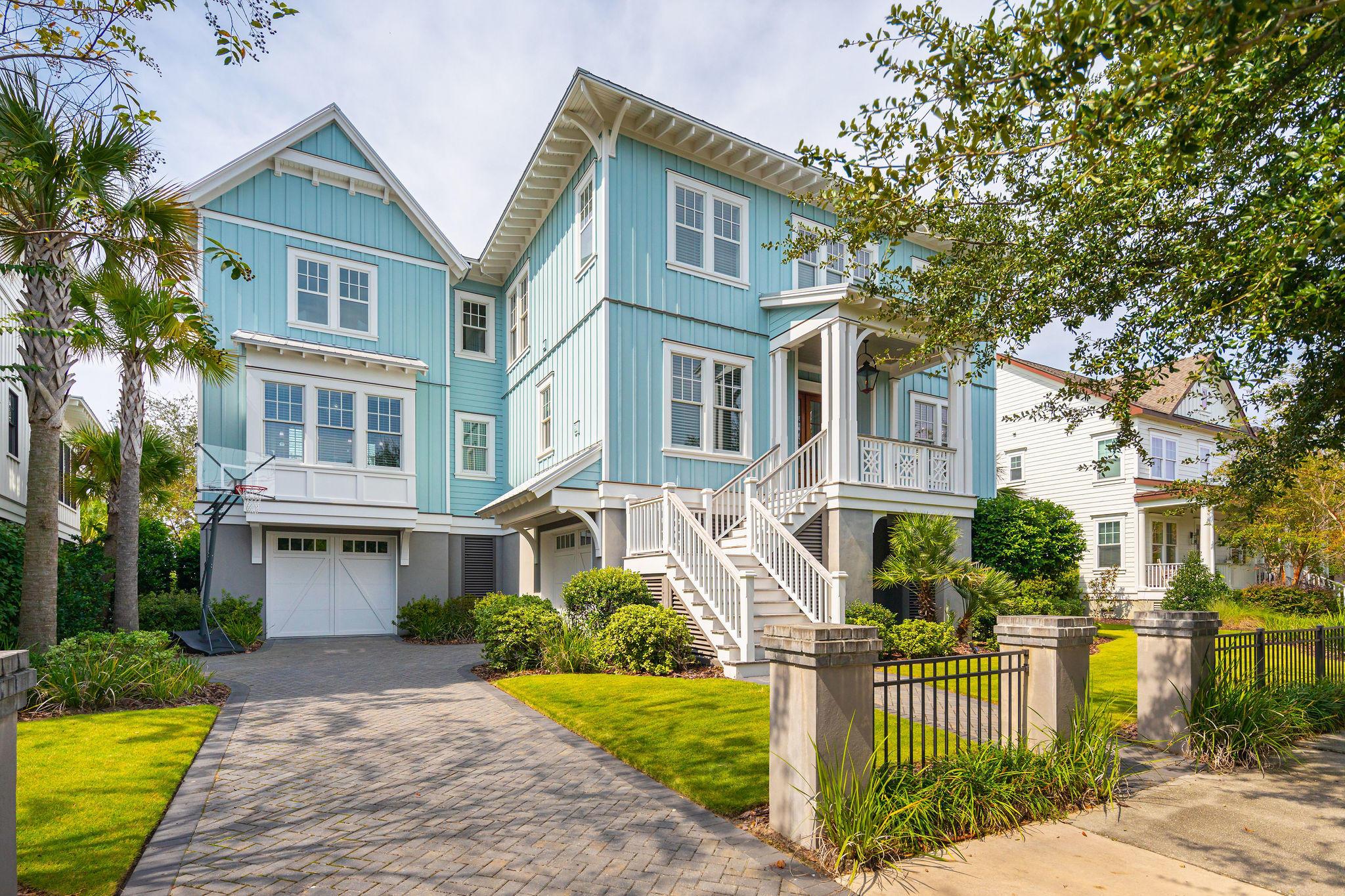 1722 Pierce Street Charleston, SC 29492