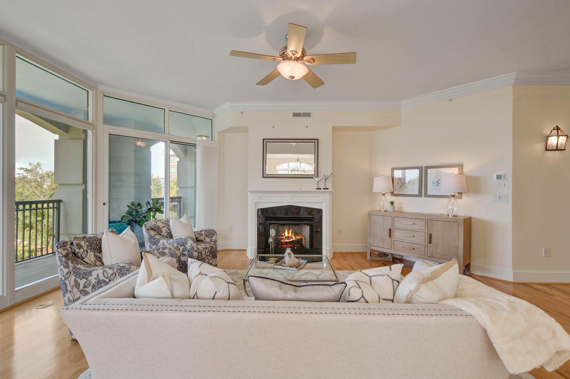 Renaissance On Chas Harbor Homes For Sale - 125 Plaza, Mount Pleasant, SC - 25
