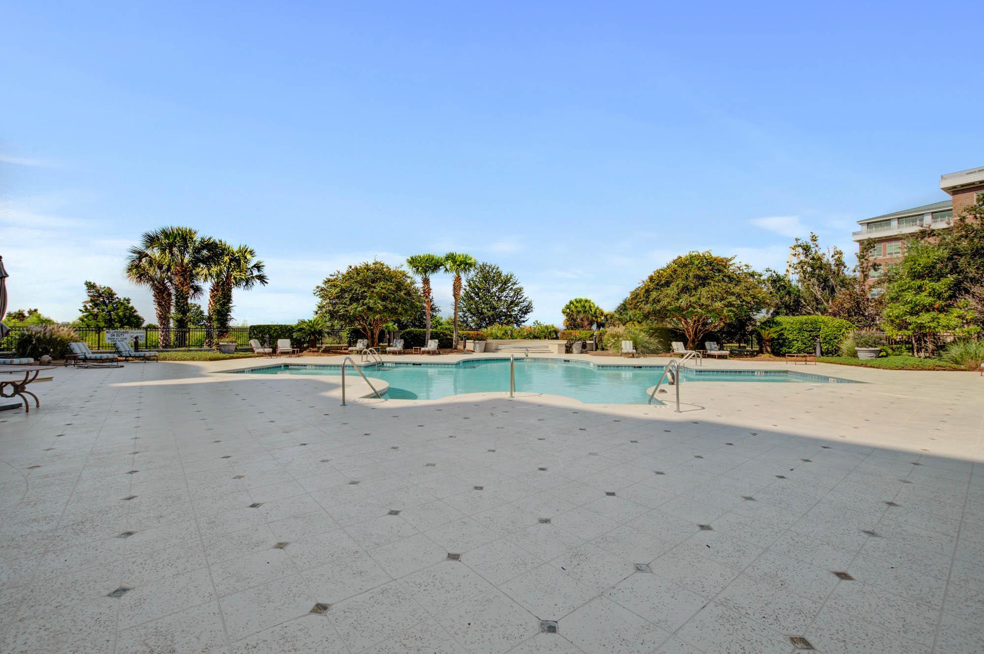Renaissance On Chas Harbor Homes For Sale - 125 Plaza, Mount Pleasant, SC - 14