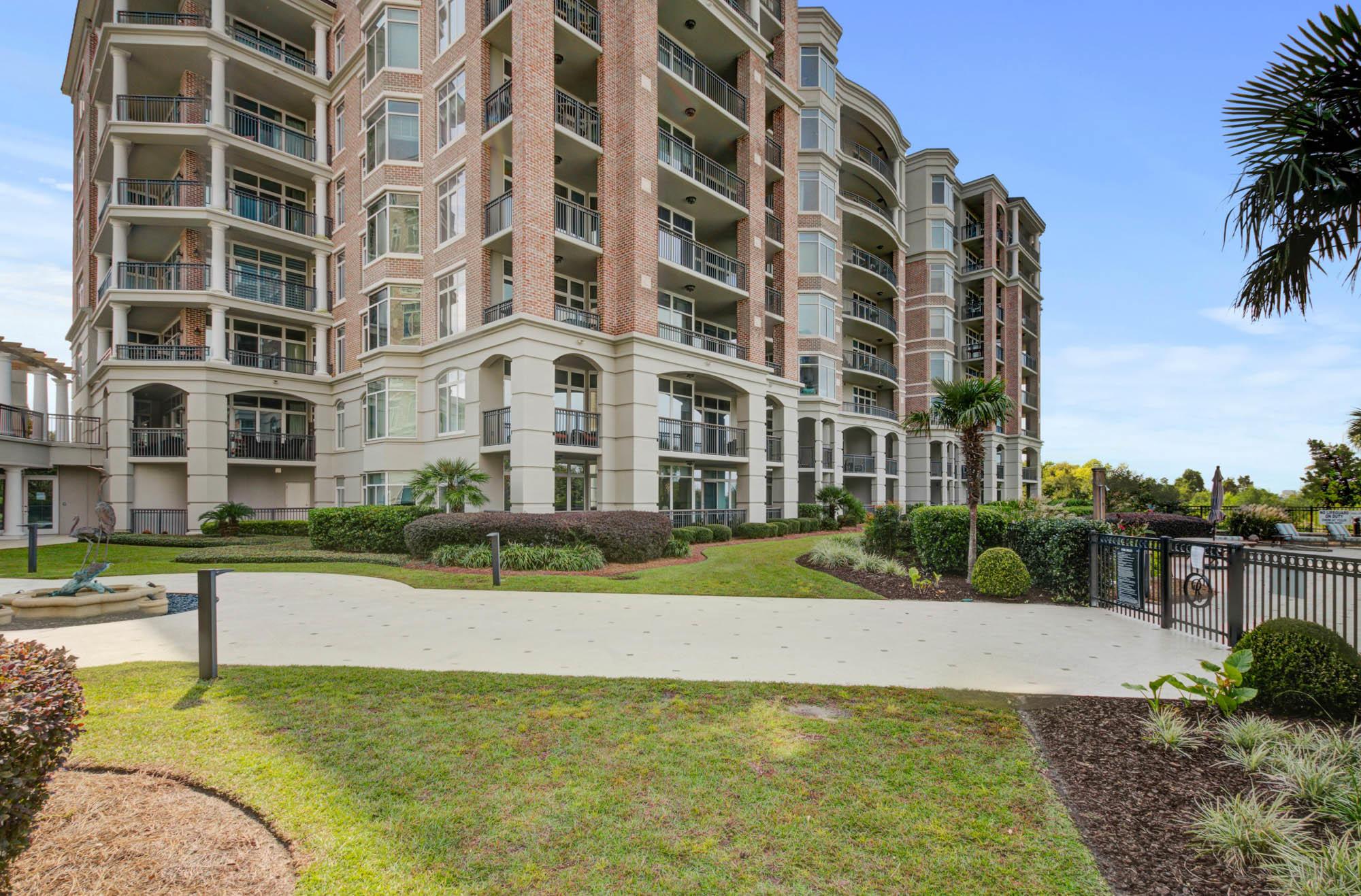 Renaissance On Chas Harbor Homes For Sale - 125 Plaza, Mount Pleasant, SC - 19