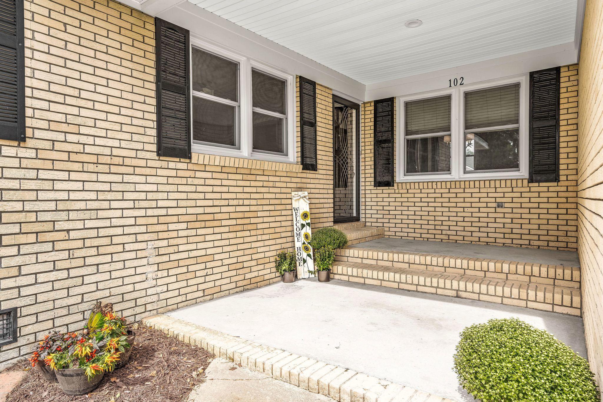102 Pelican Lane Summerville, SC 29485
