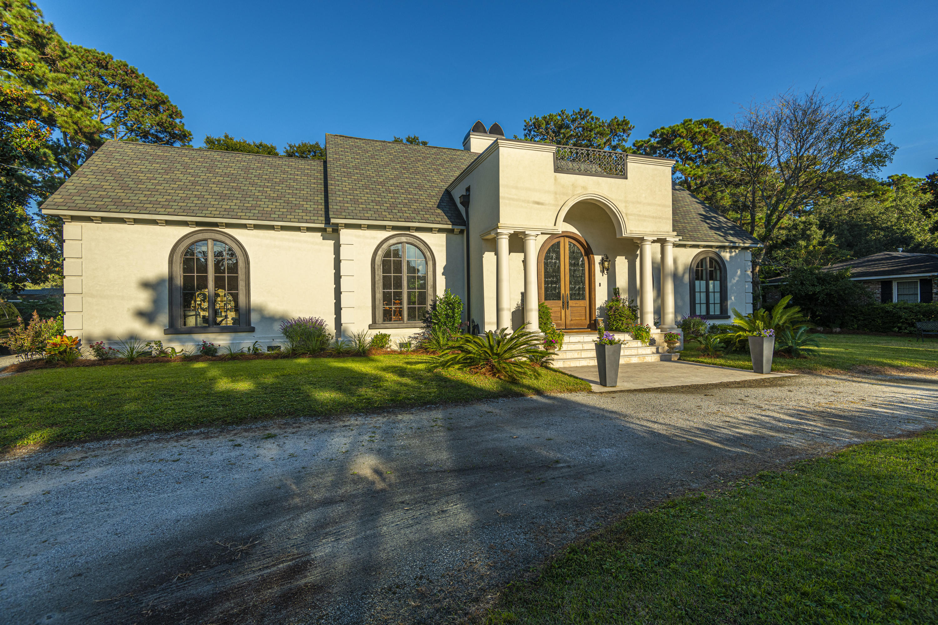 1516 Fairway Drive Charleston, SC 29412