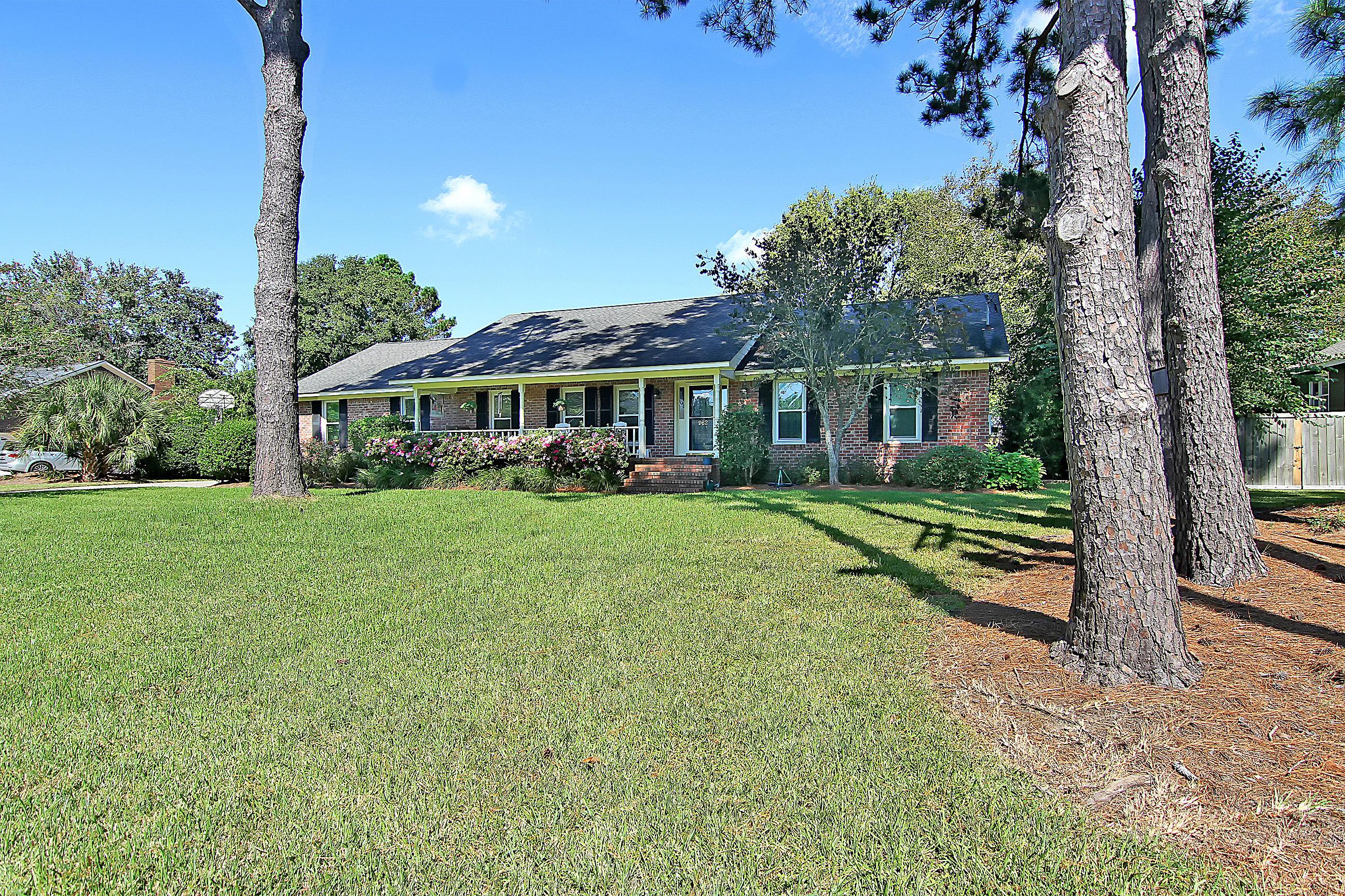 962 Carmel Drive Charleston, SC 29412