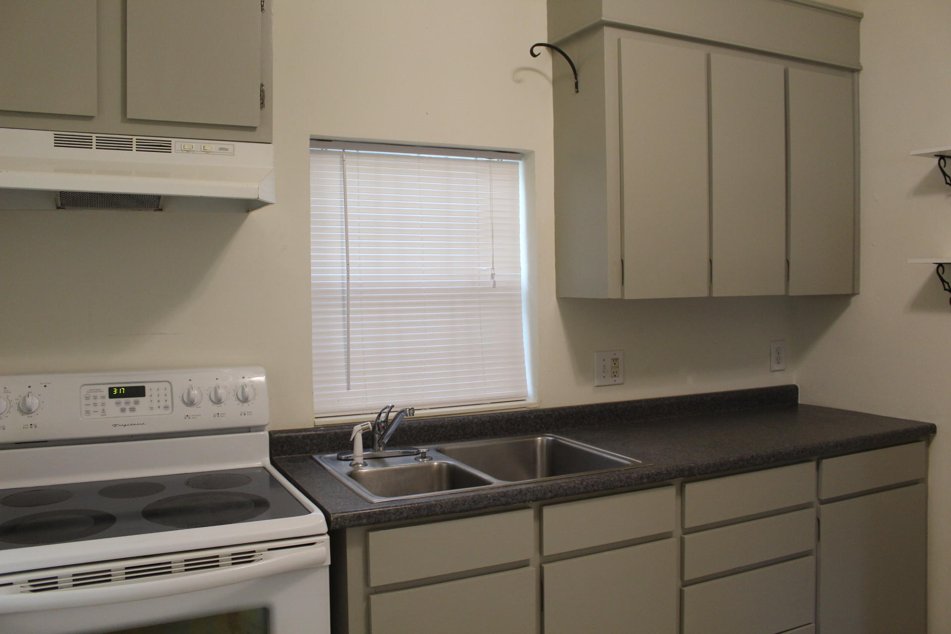 Westside Homes For Sale - 376 Race, Charleston, SC - 5