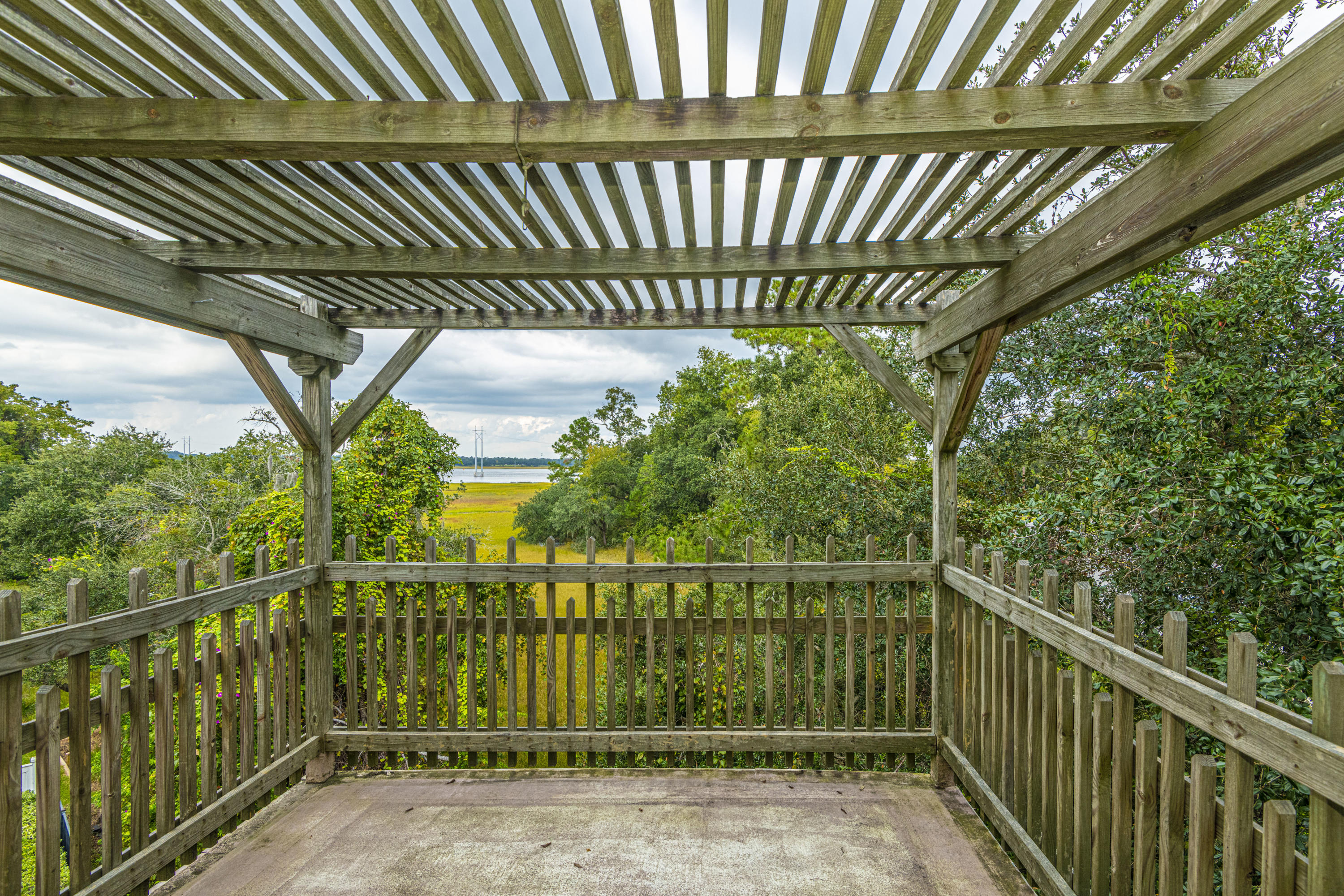 Governors Point Homes For Sale - 2 River Reach, Charleston, SC - 13