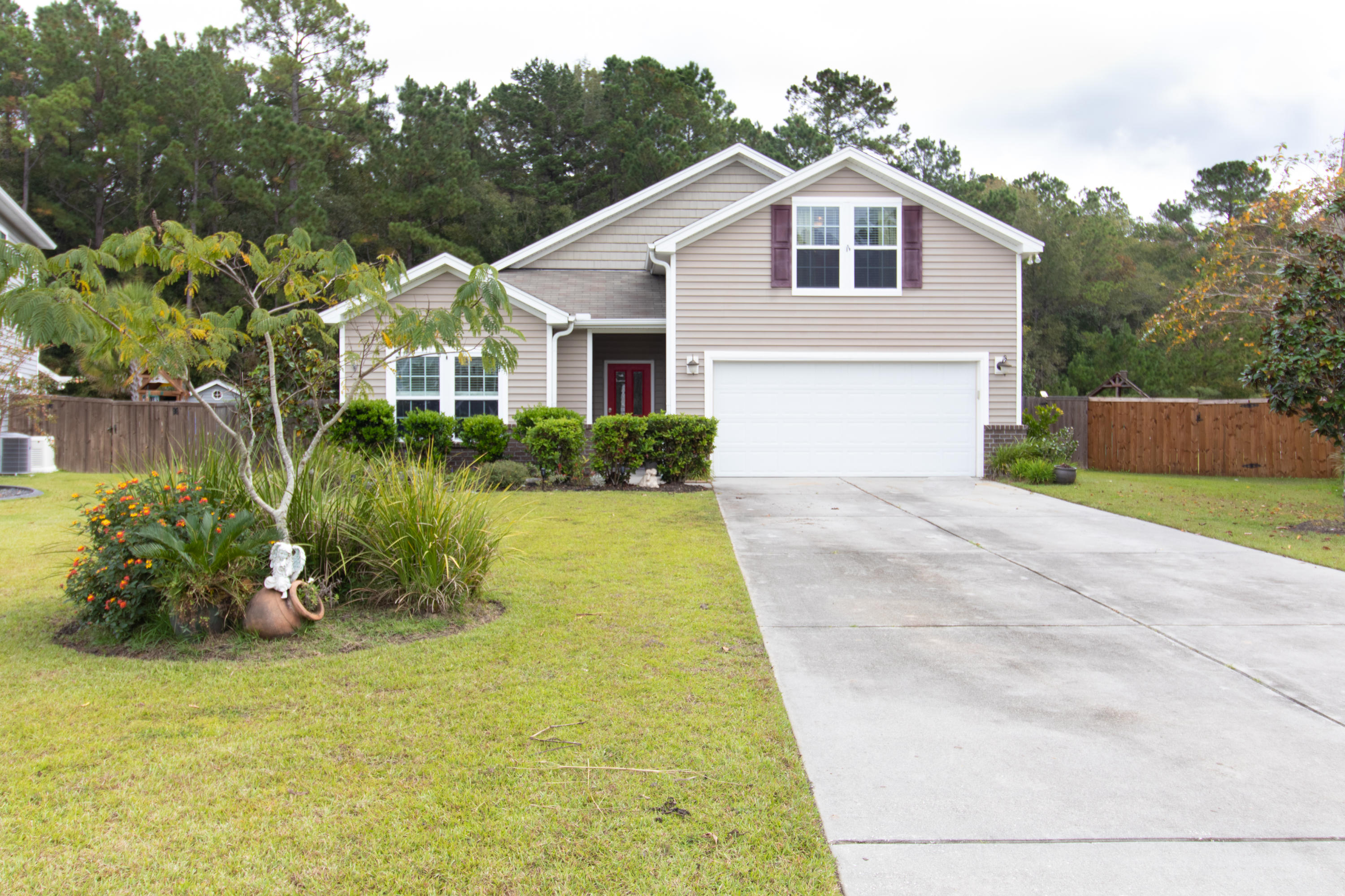 1053 Victoria Pointe Lane Summerville, SC 29485
