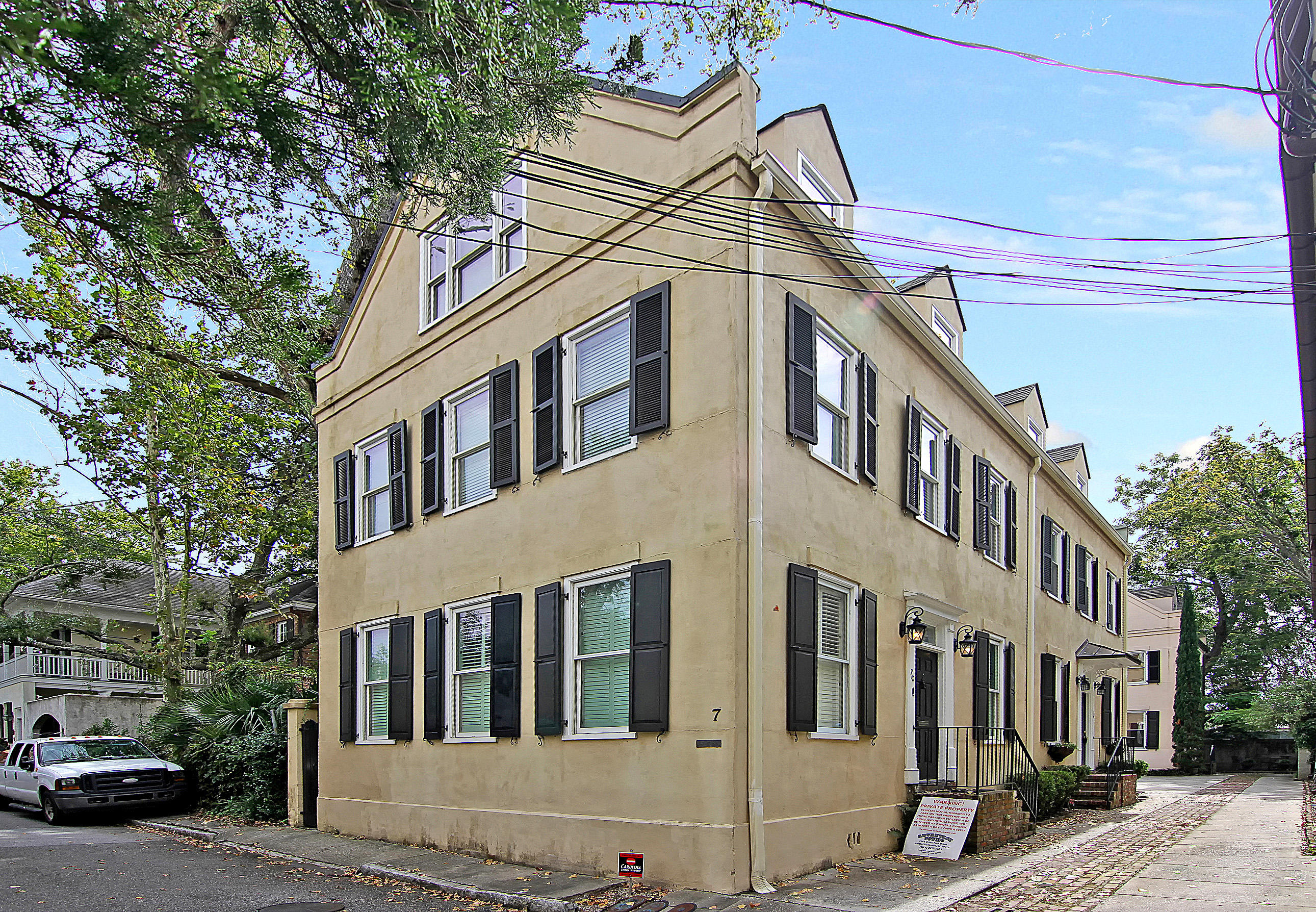 7 West Street B Charleston, SC 29401