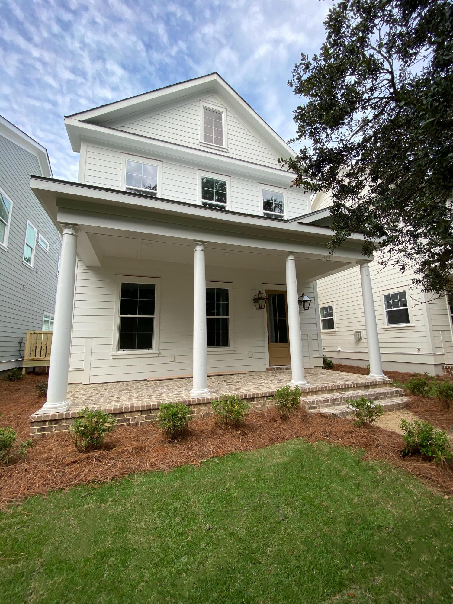 1046 Avenue of Oaks Charleston, SC 29407