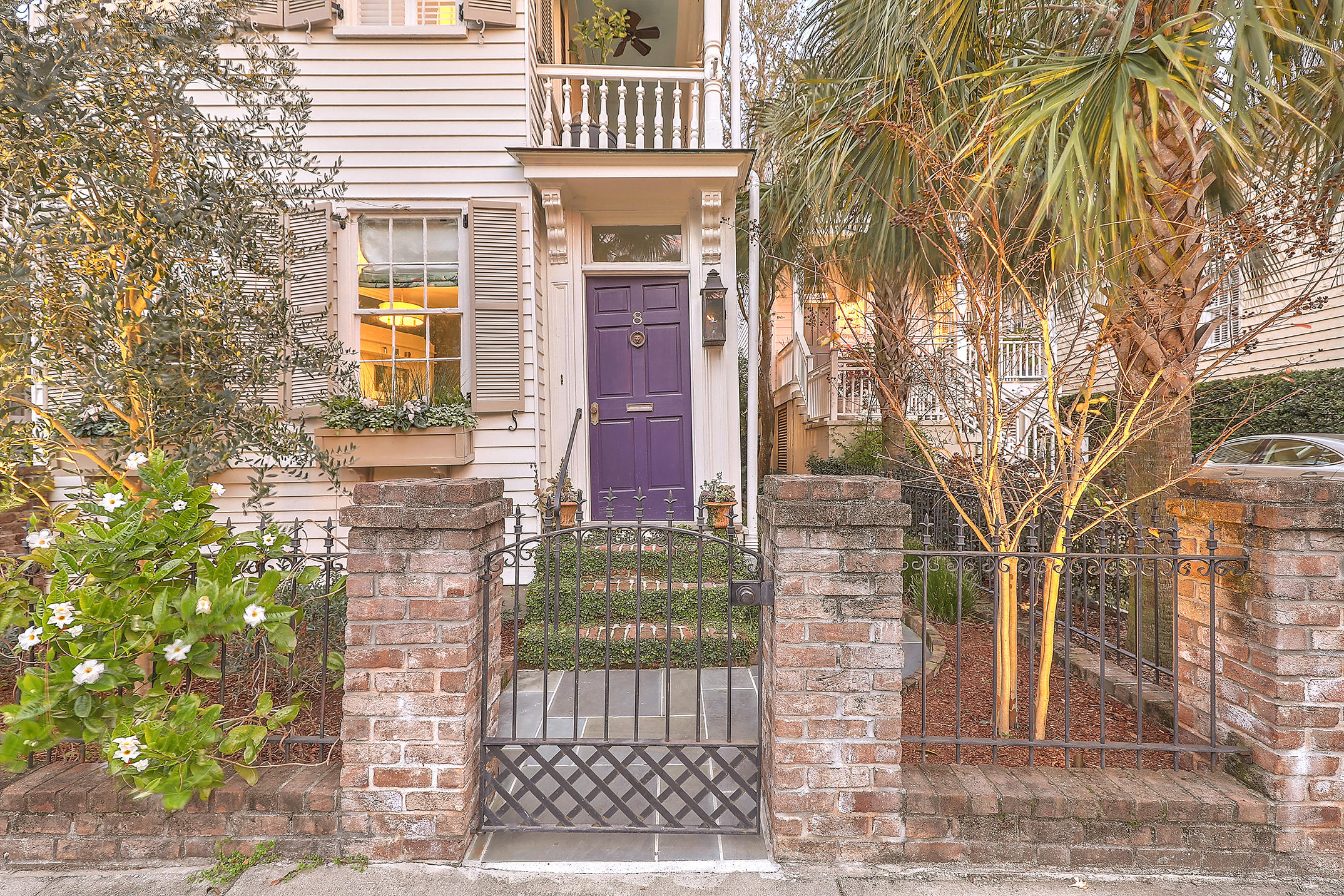 8 Council Street Charleston, SC 29401