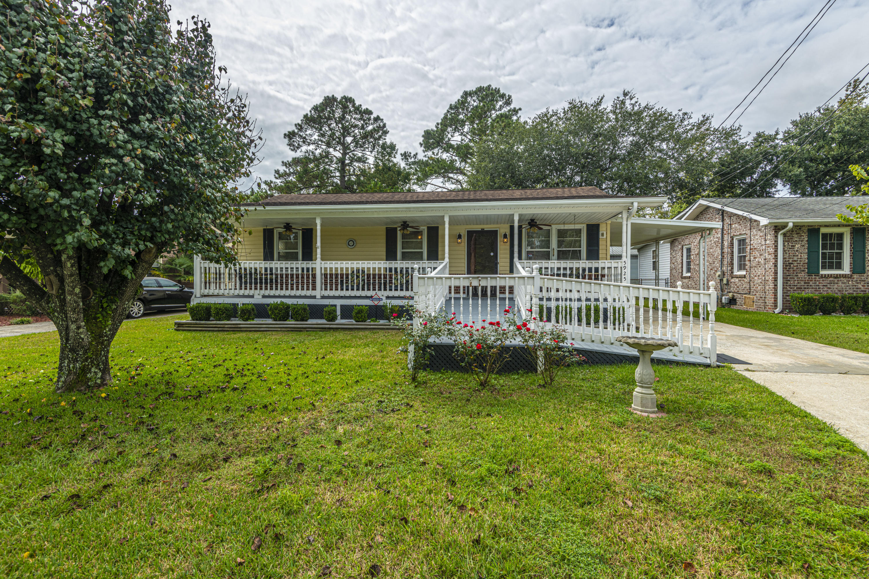 5925 Maple Street Hanahan, SC 29410