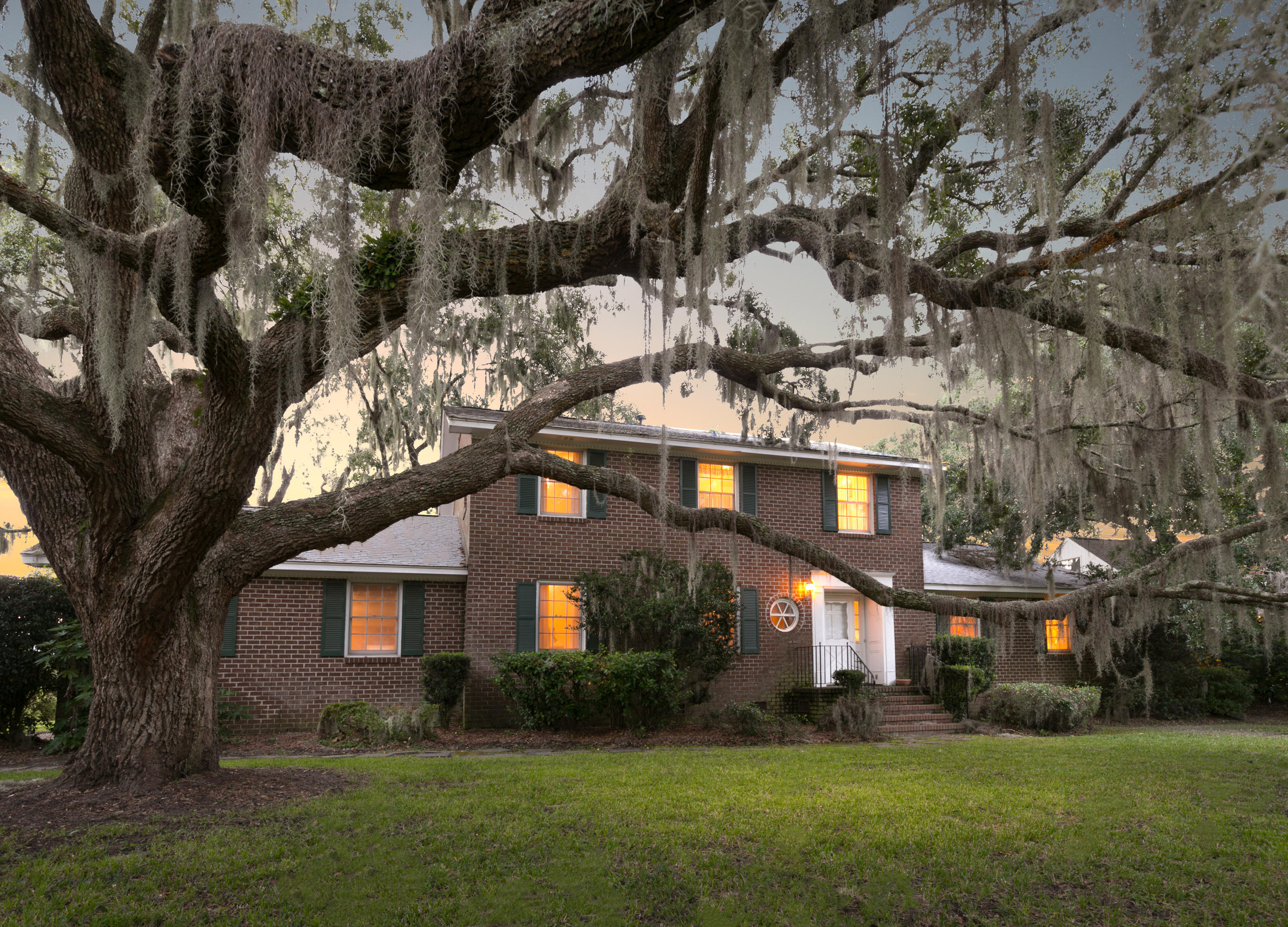 879 White Point Boulevard Charleston, SC 29412
