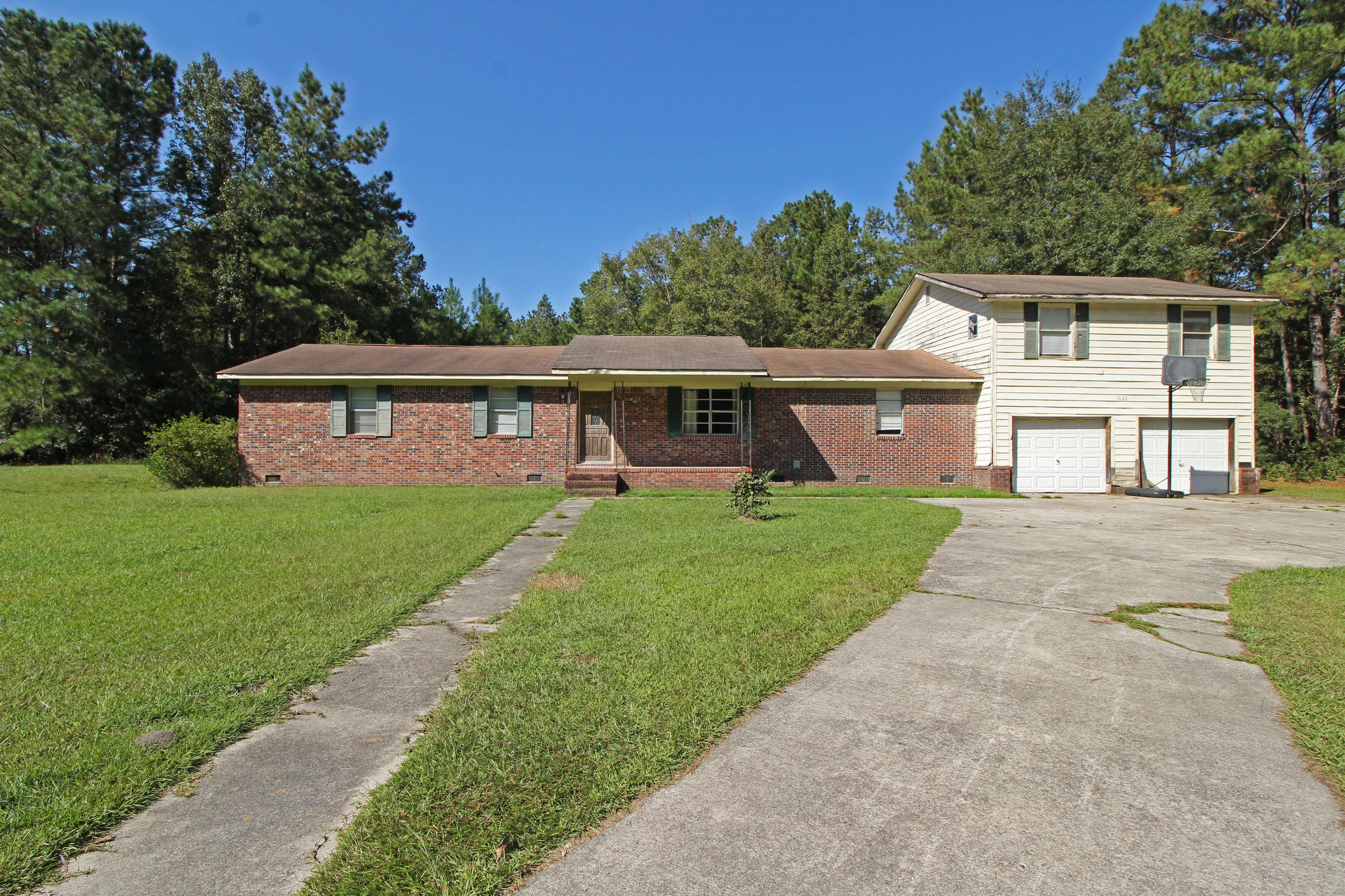 1822 Black Tom Road Moncks Corner, Sc 29461