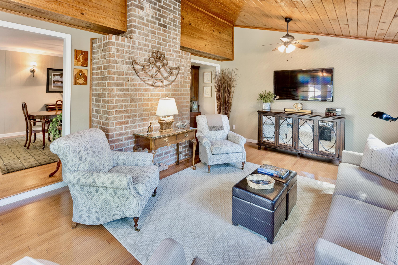 Snee Farm Homes For Sale - 998 Colonial, Mount Pleasant, SC - 10