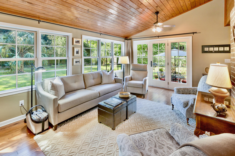 Snee Farm Homes For Sale - 998 Colonial, Mount Pleasant, SC - 11